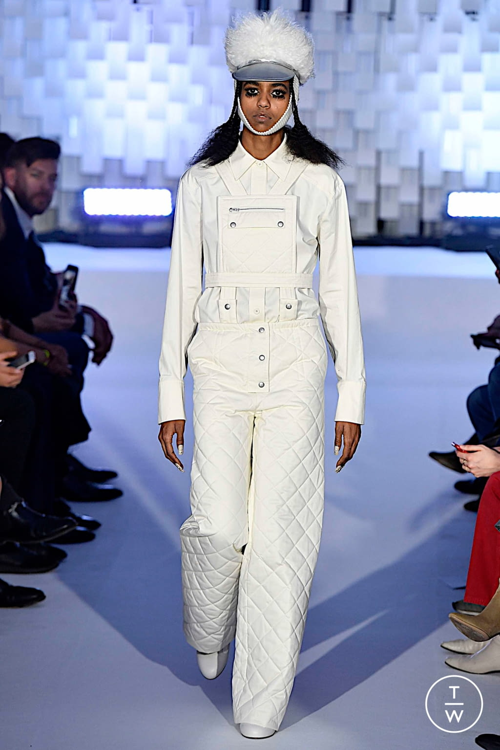 Fashion Week Paris Fall/Winter 2019 look 13 from the Courrèges collection womenswear