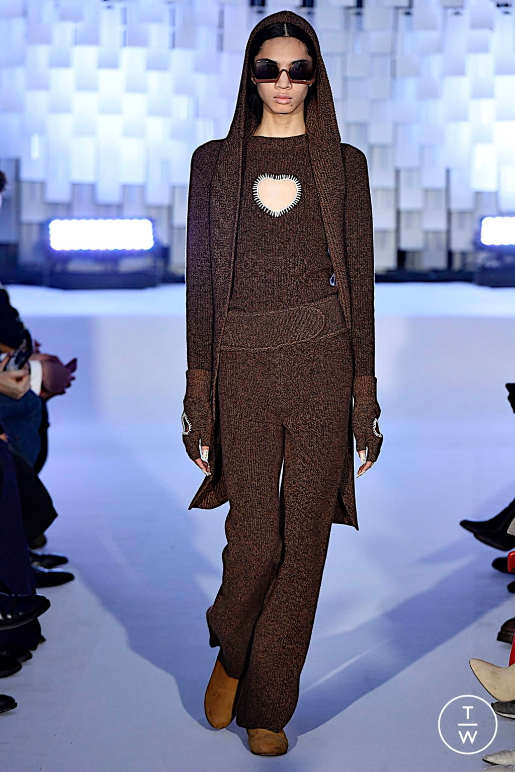 Fashion Week Paris Fall/Winter 2019 look 18 from the Courrèges collection womenswear