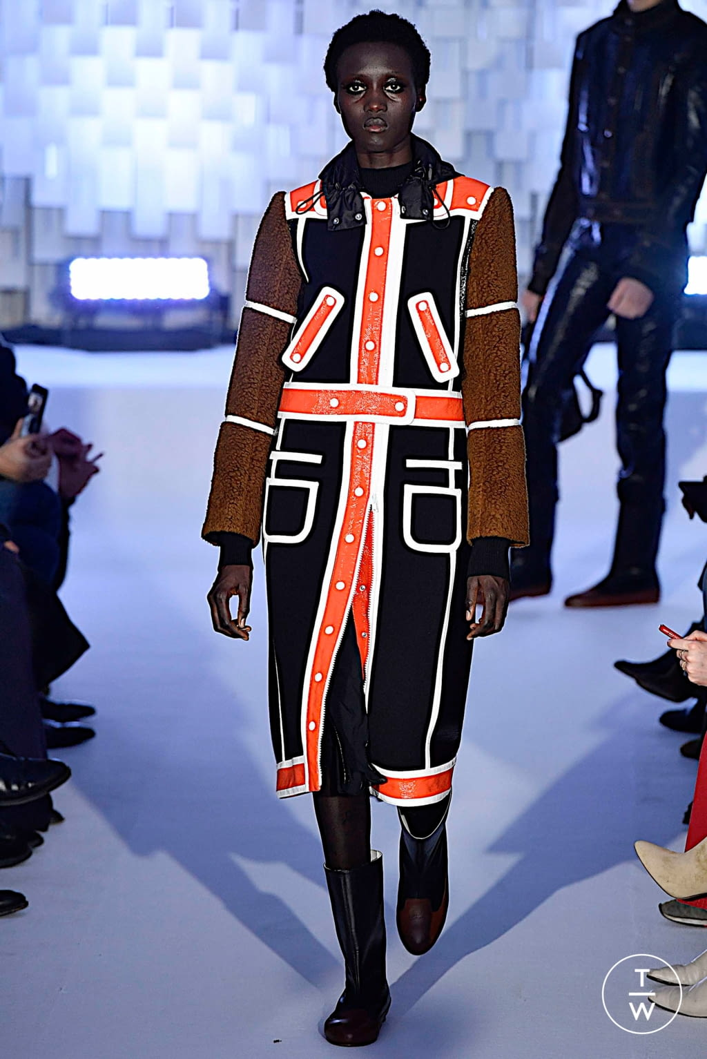 Fashion Week Paris Fall/Winter 2019 look 22 from the Courrèges collection womenswear