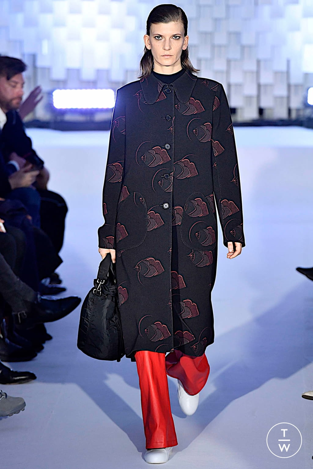 Fashion Week Paris Fall/Winter 2019 look 39 from the Courrèges collection womenswear