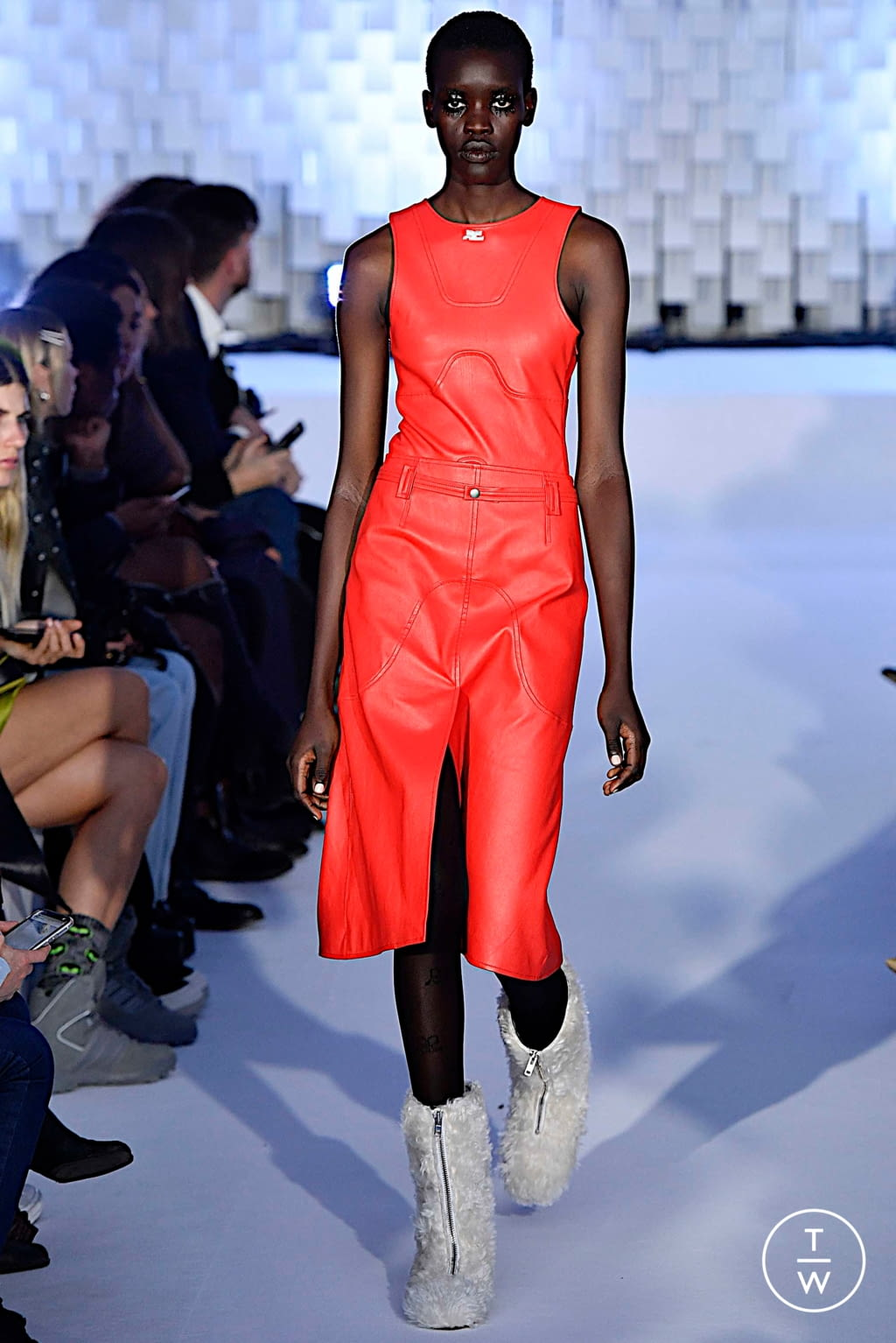 Fashion Week Paris Fall/Winter 2019 look 40 from the Courrèges collection womenswear