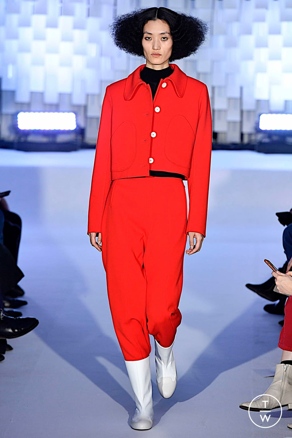 Fashion Week Paris Fall/Winter 2019 look 43 from the Courrèges collection womenswear