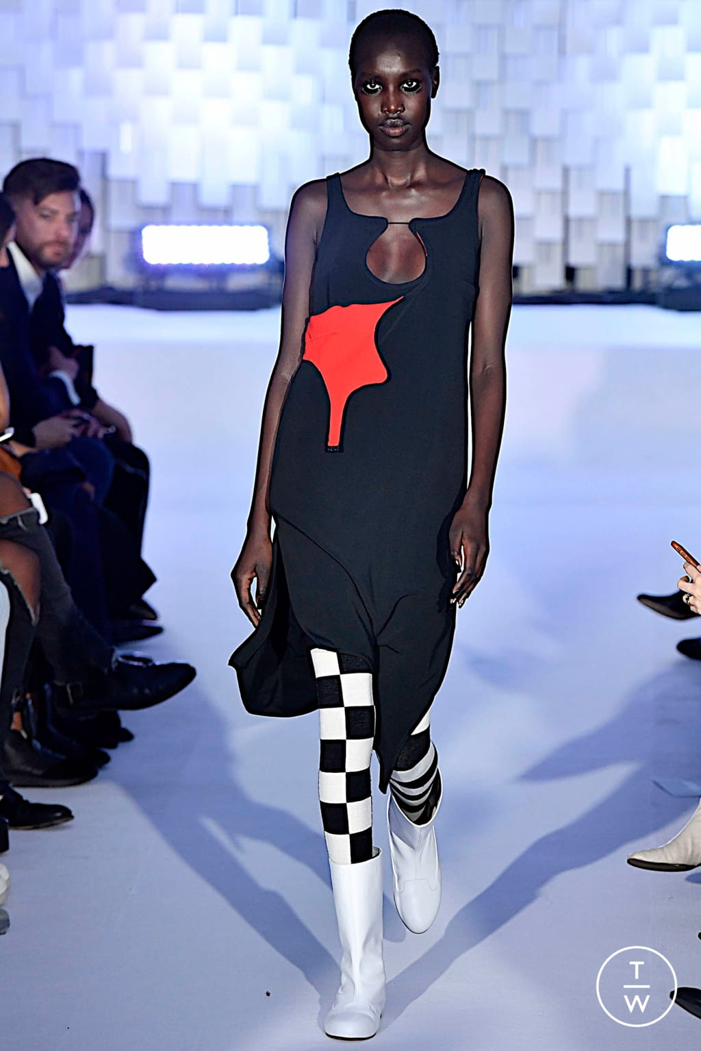 Fashion Week Paris Fall/Winter 2019 look 44 from the Courrèges collection womenswear