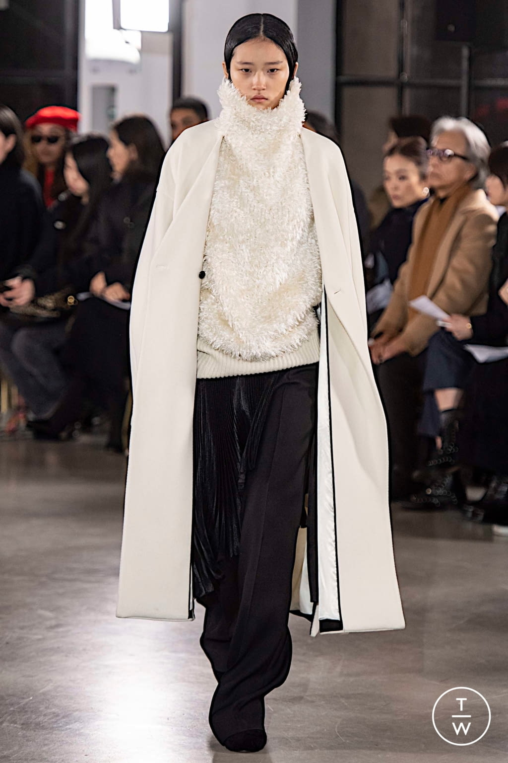 Fashion Week Paris Fall/Winter 2019 look 33 from the Cyclas collection womenswear