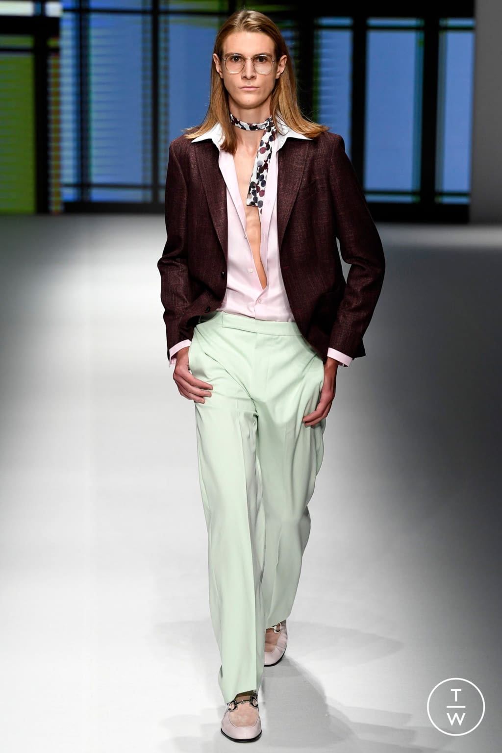 Fashion Week Milan Spring/Summer 2019 look 34 from the Daks collection menswear