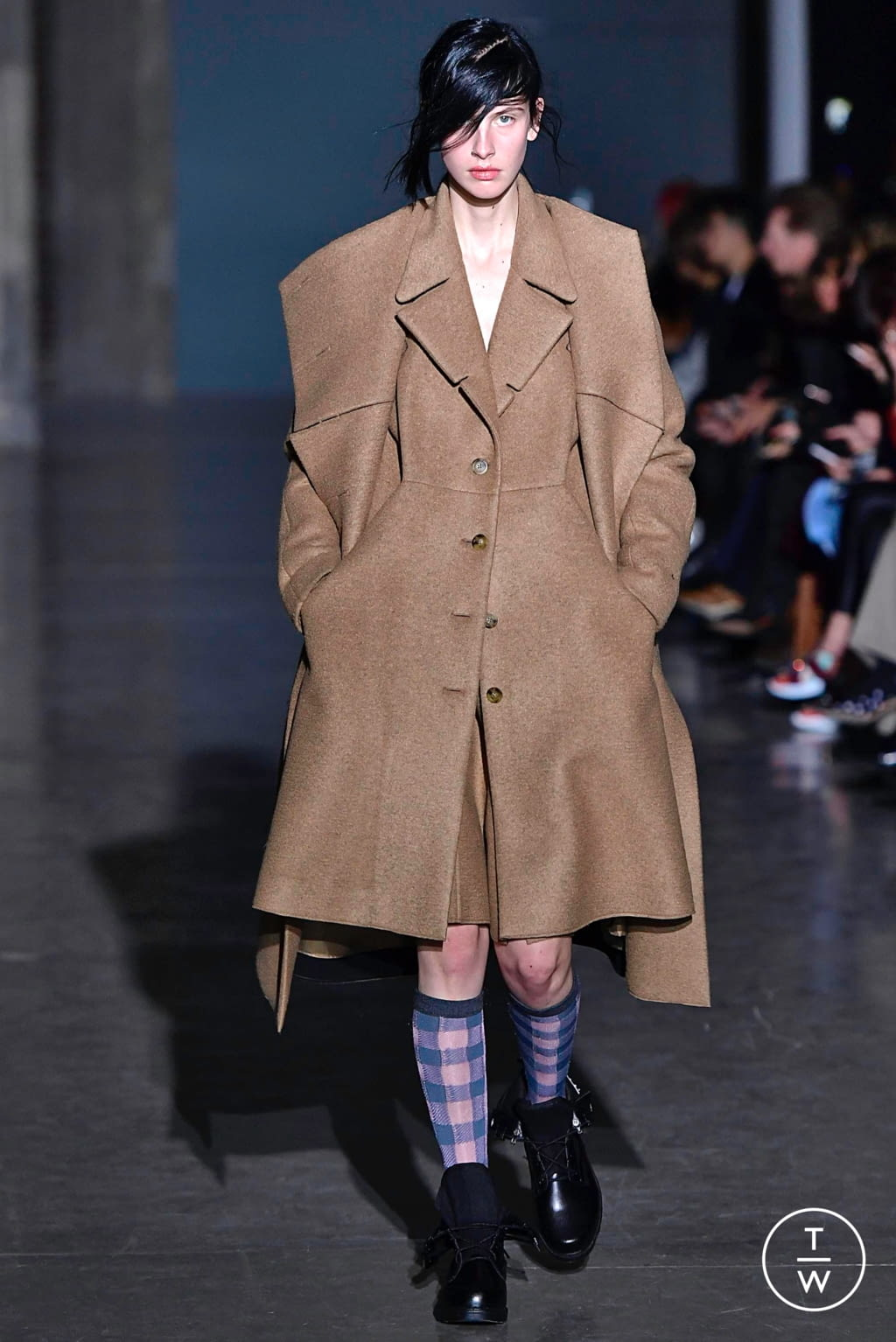 Fashion Week Paris Fall/Winter 2019 look 1 from the Dawei collection womenswear