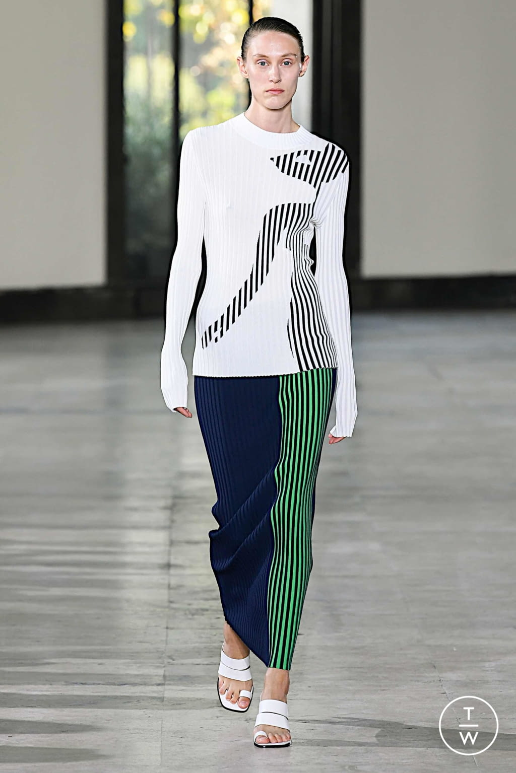Fashion Week Paris Spring/Summer 2020 look 3 from the Dawei collection womenswear