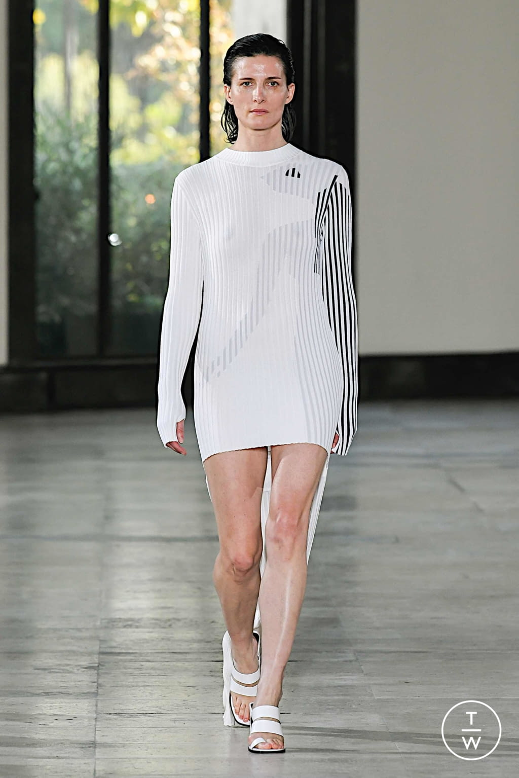 Fashion Week Paris Spring/Summer 2020 look 4 from the Dawei collection womenswear