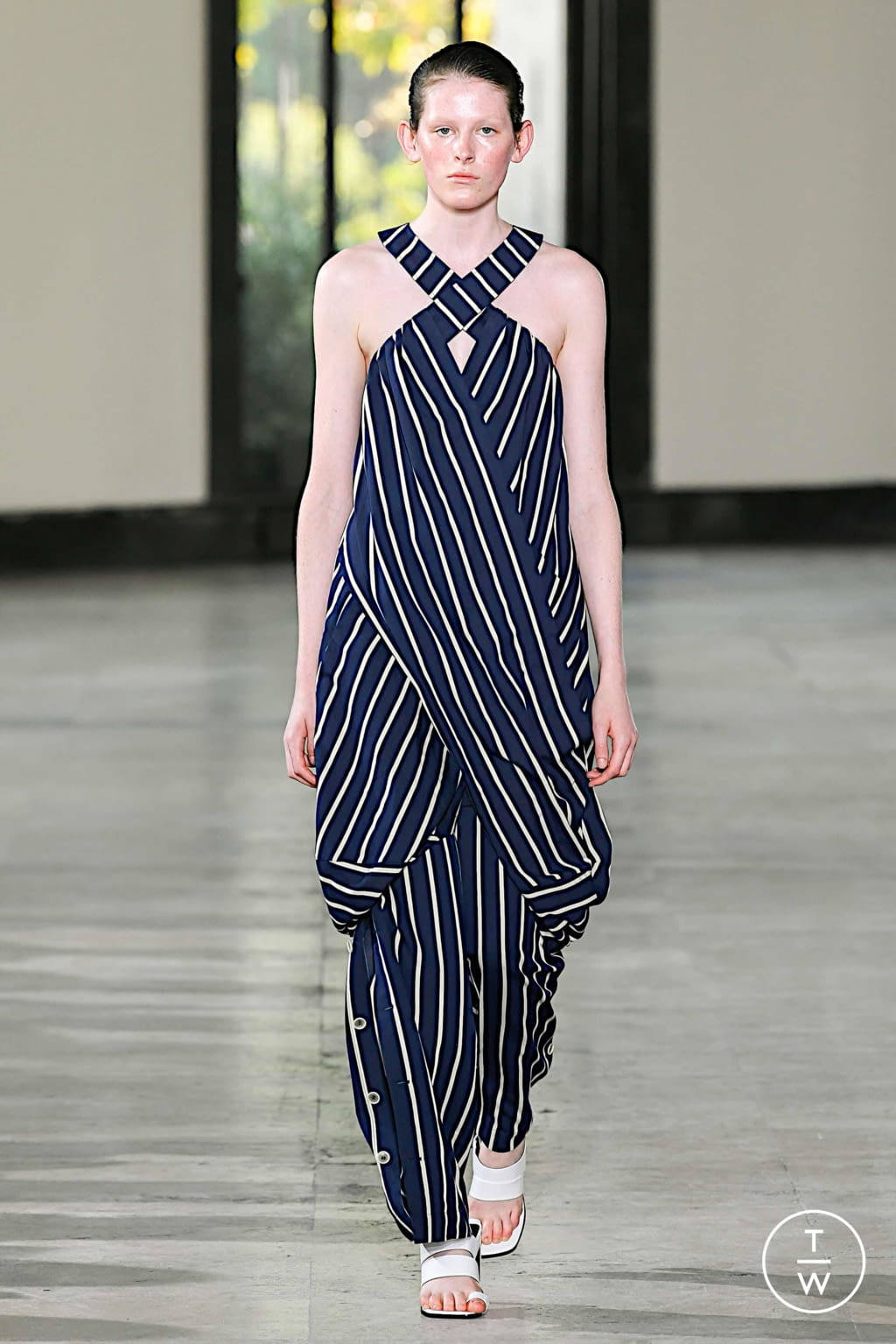 Fashion Week Paris Spring/Summer 2020 look 6 from the Dawei collection womenswear