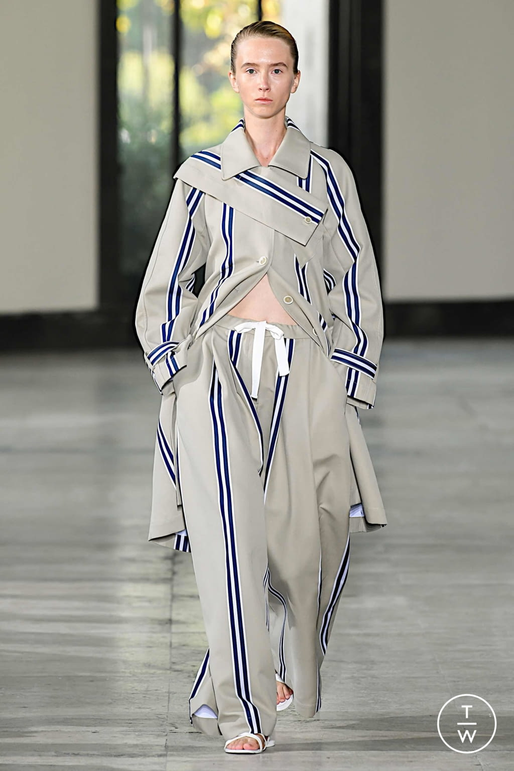 Fashion Week Paris Spring/Summer 2020 look 8 from the Dawei collection womenswear
