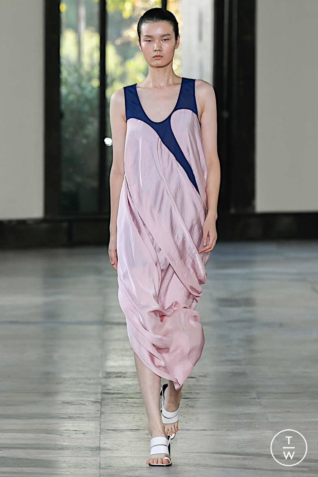 Fashion Week Paris Spring/Summer 2020 look 12 from the Dawei collection womenswear