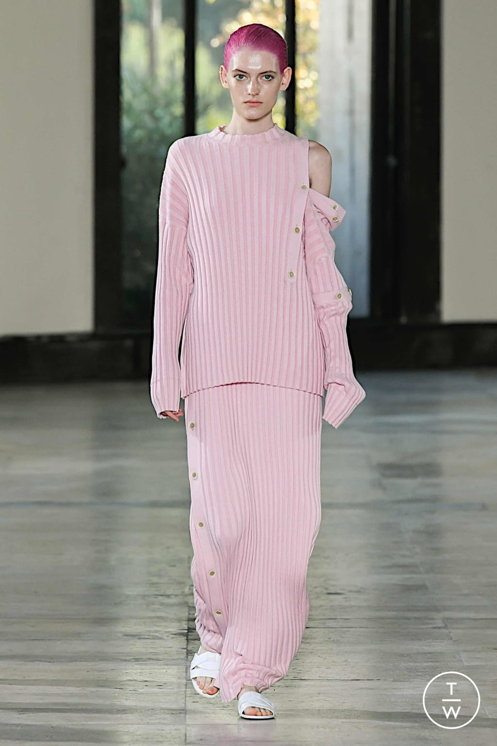 Fashion Week Paris Spring/Summer 2020 look 13 from the Dawei collection womenswear
