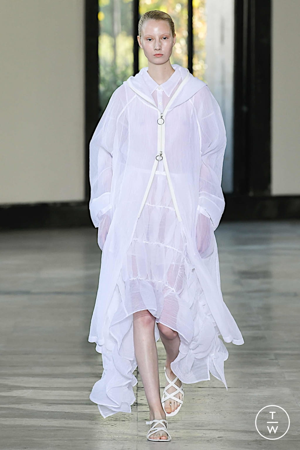 Fashion Week Paris Spring/Summer 2020 look 20 from the Dawei collection womenswear