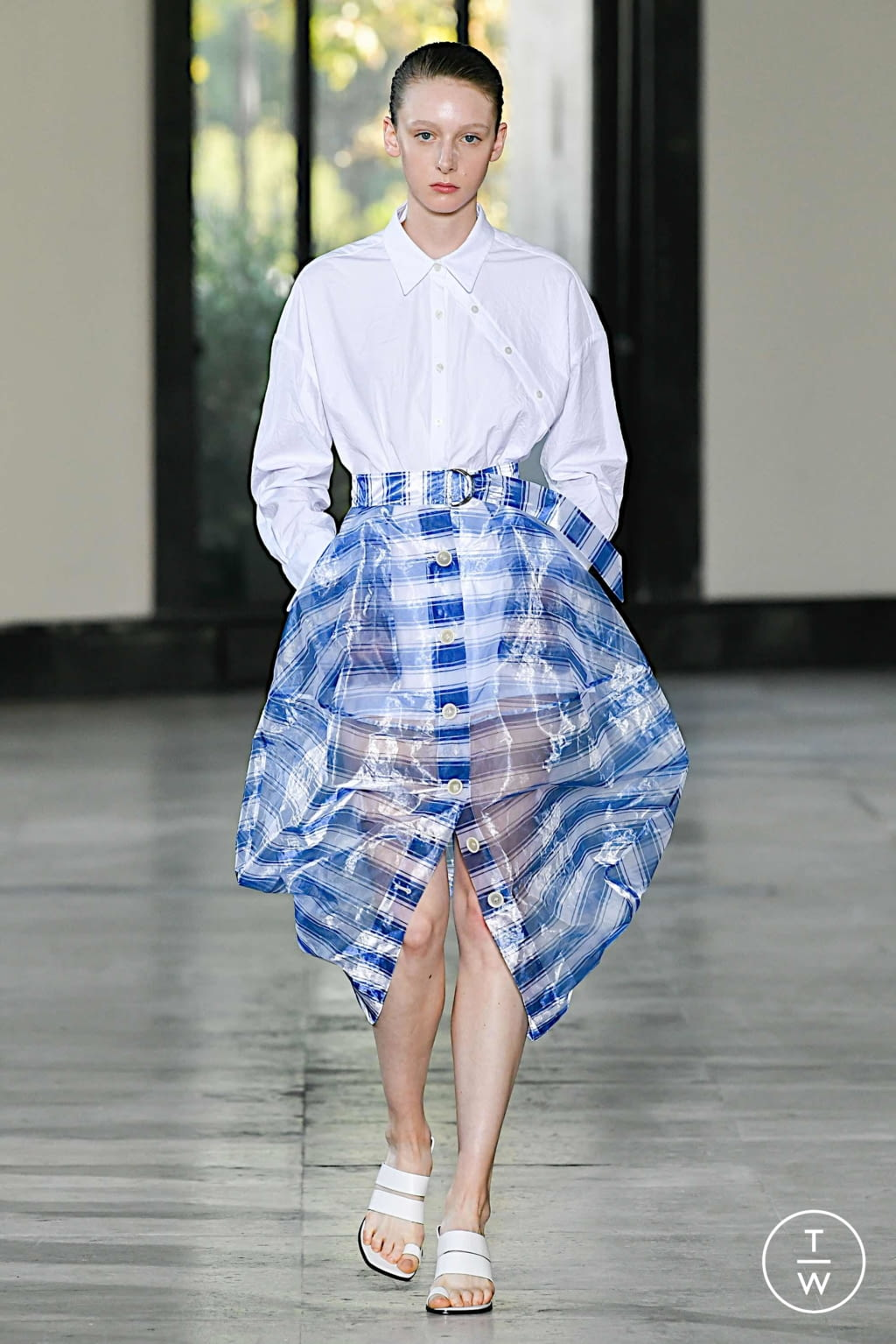 Fashion Week Paris Spring/Summer 2020 look 25 from the Dawei collection womenswear