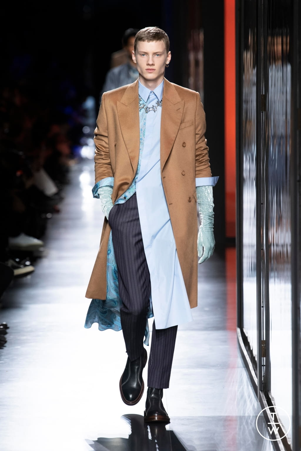 Fashion Week Paris Fall/Winter 2020 look 10 from the Dior Homme collection menswear