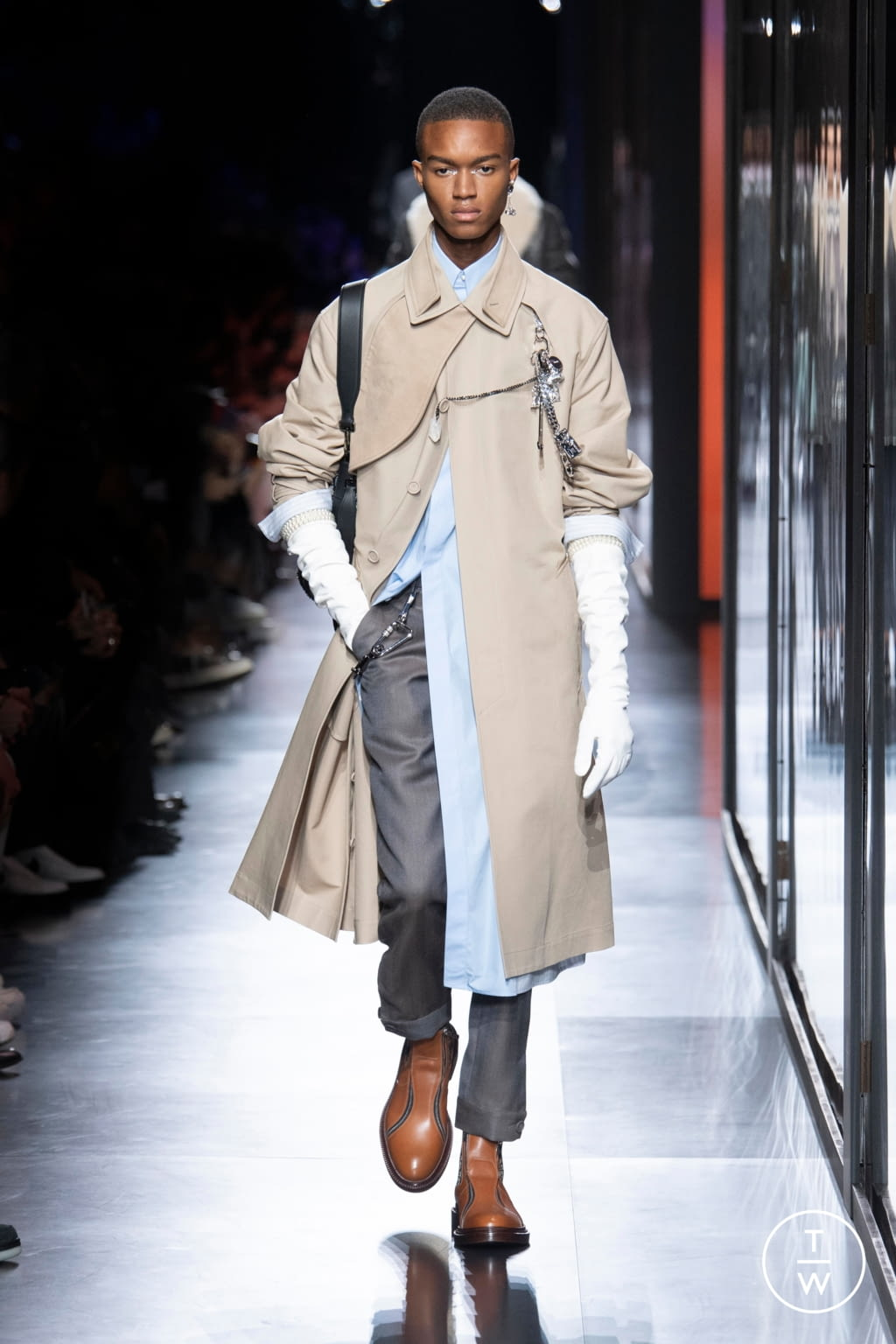 Fashion Week Paris Fall/Winter 2020 look 19 from the Dior Homme collection menswear