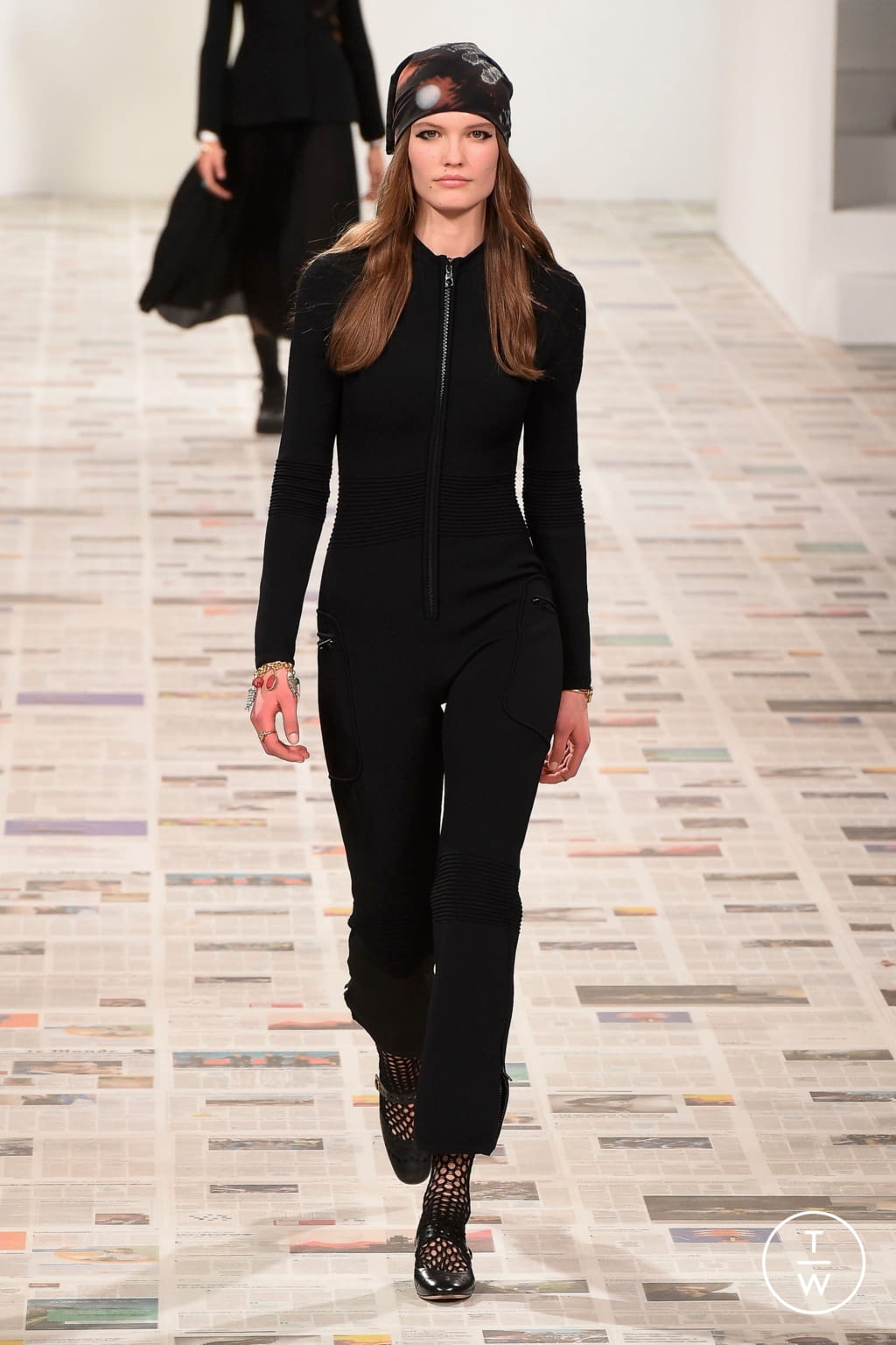 Fashion Week Paris Fall/Winter 2020 look 3 from the Christian Dior collection womenswear