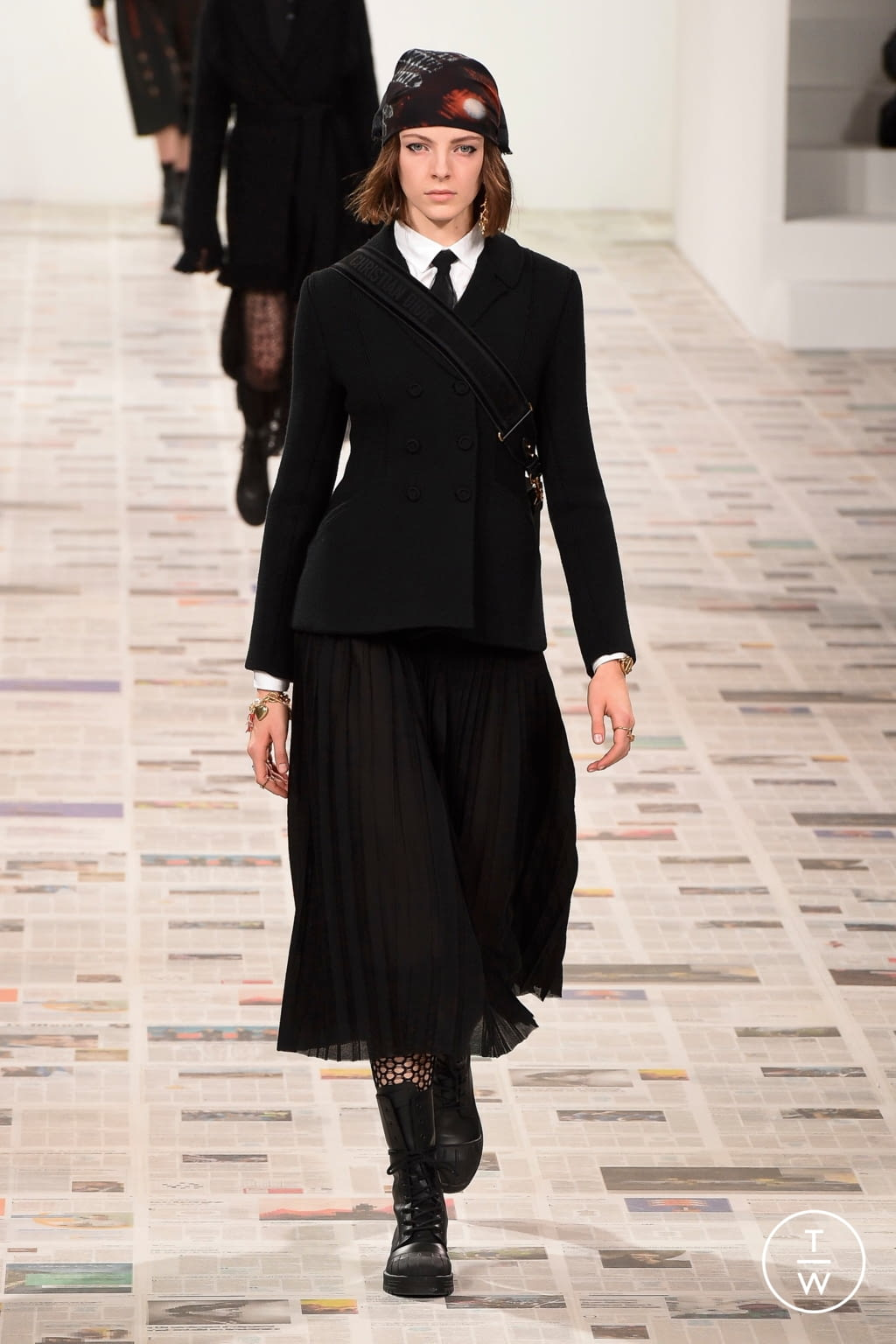 Fashion Week Paris Fall/Winter 2020 look 4 from the Christian Dior collection 女装