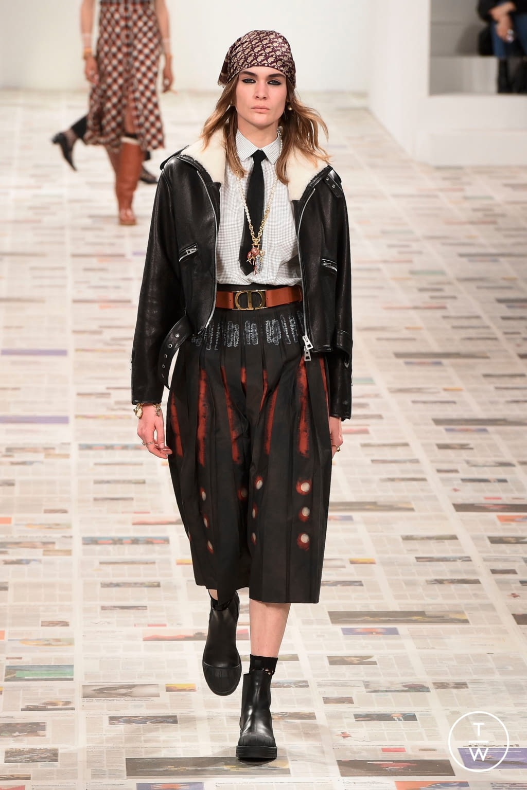 Fashion Week Paris Fall/Winter 2020 look 6 from the Christian Dior collection 女装
