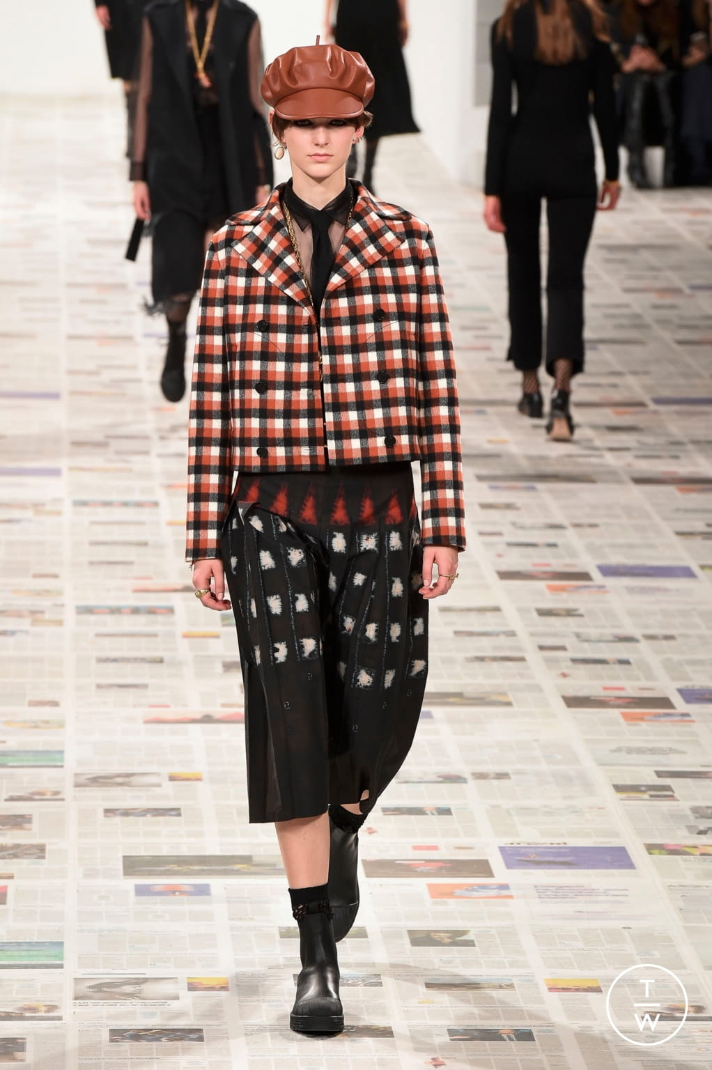 Fashion Week Paris Fall/Winter 2020 look 13 from the Christian Dior collection womenswear