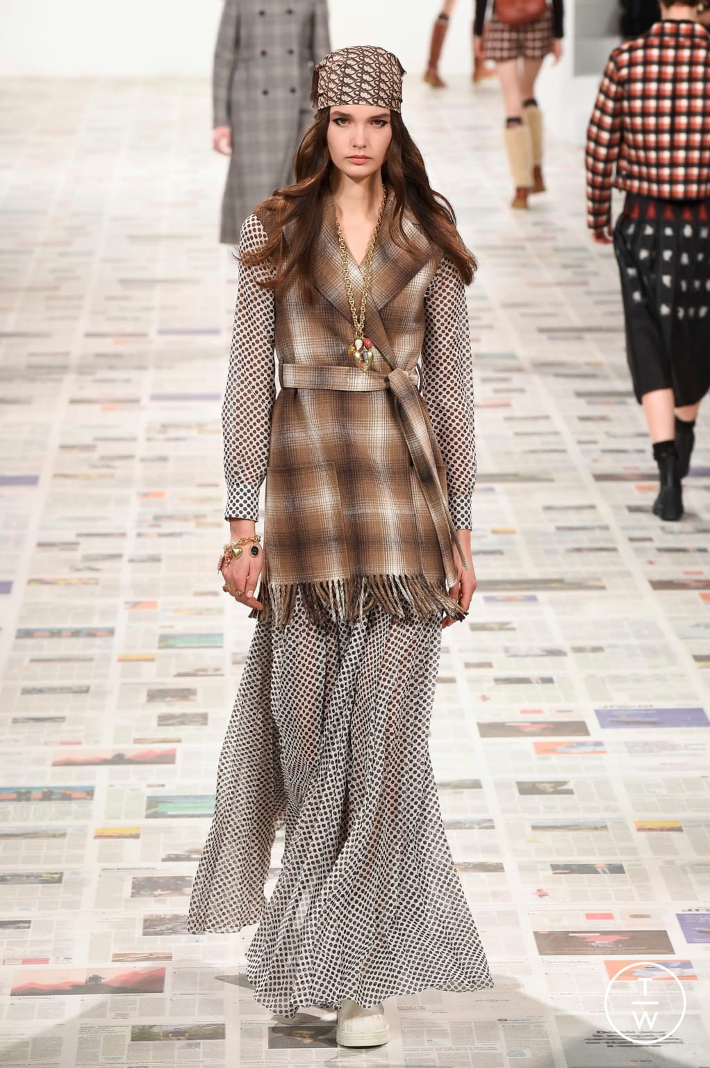 Fashion Week Paris Fall/Winter 2020 look 23 from the Christian Dior collection womenswear