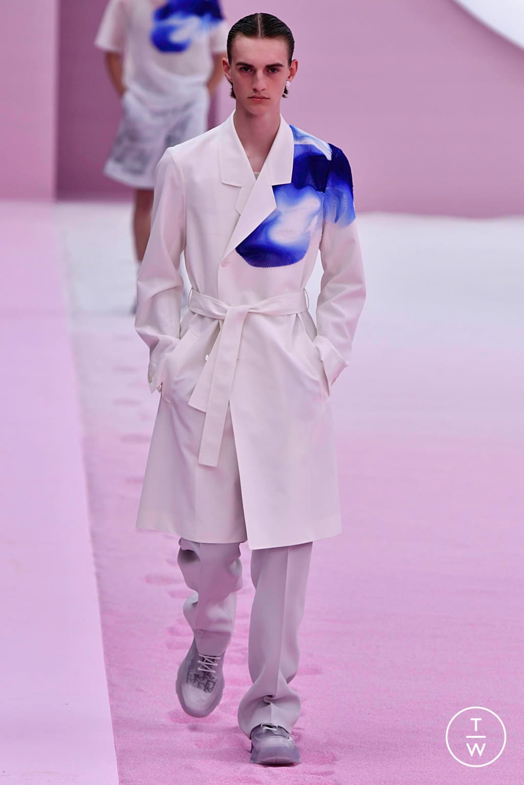 Fashion Week Paris Spring/Summer 2020 look 7 from the Dior Homme collection 男装