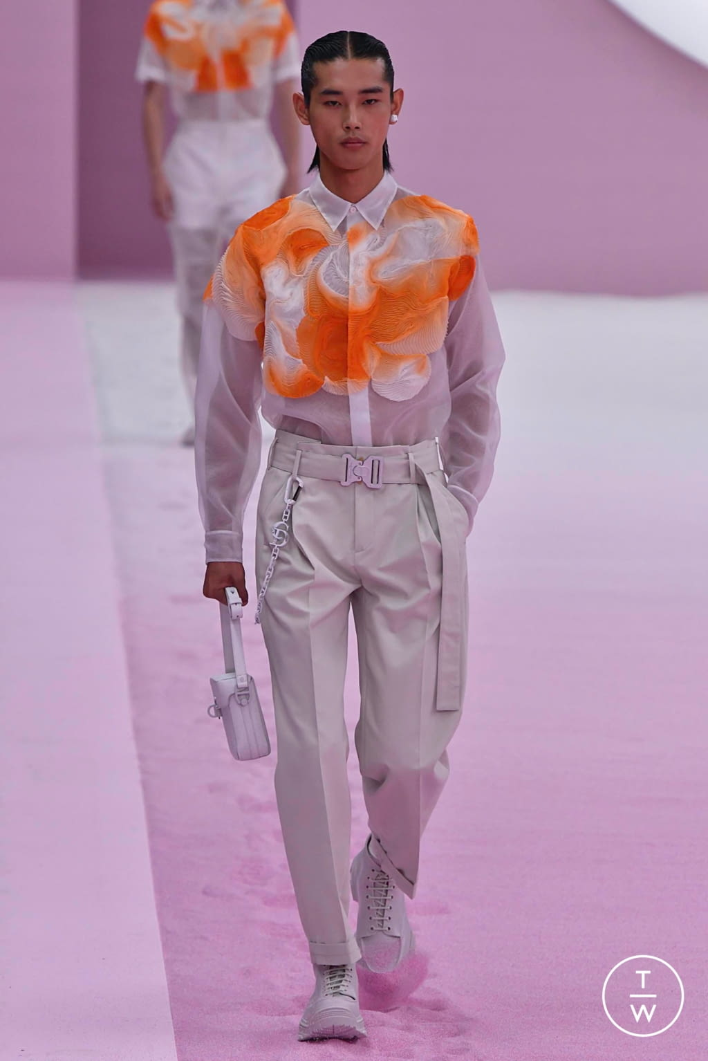 Fashion Week Paris Spring/Summer 2020 look 17 from the Dior Homme collection menswear
