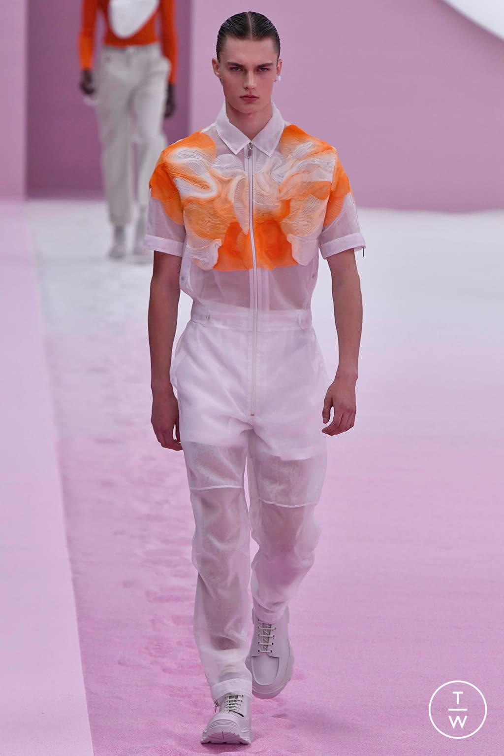Fashion Week Paris Spring/Summer 2020 look 18 from the Dior Homme collection menswear