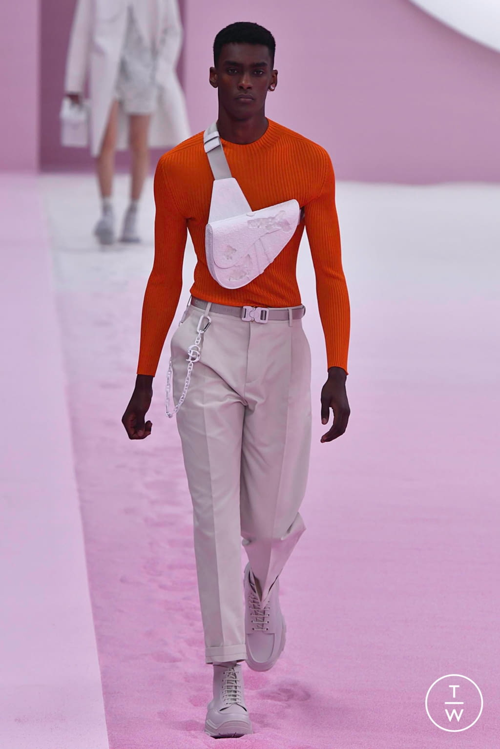 Fashion Week Paris Spring/Summer 2020 look 19 from the Dior Homme collection 男装