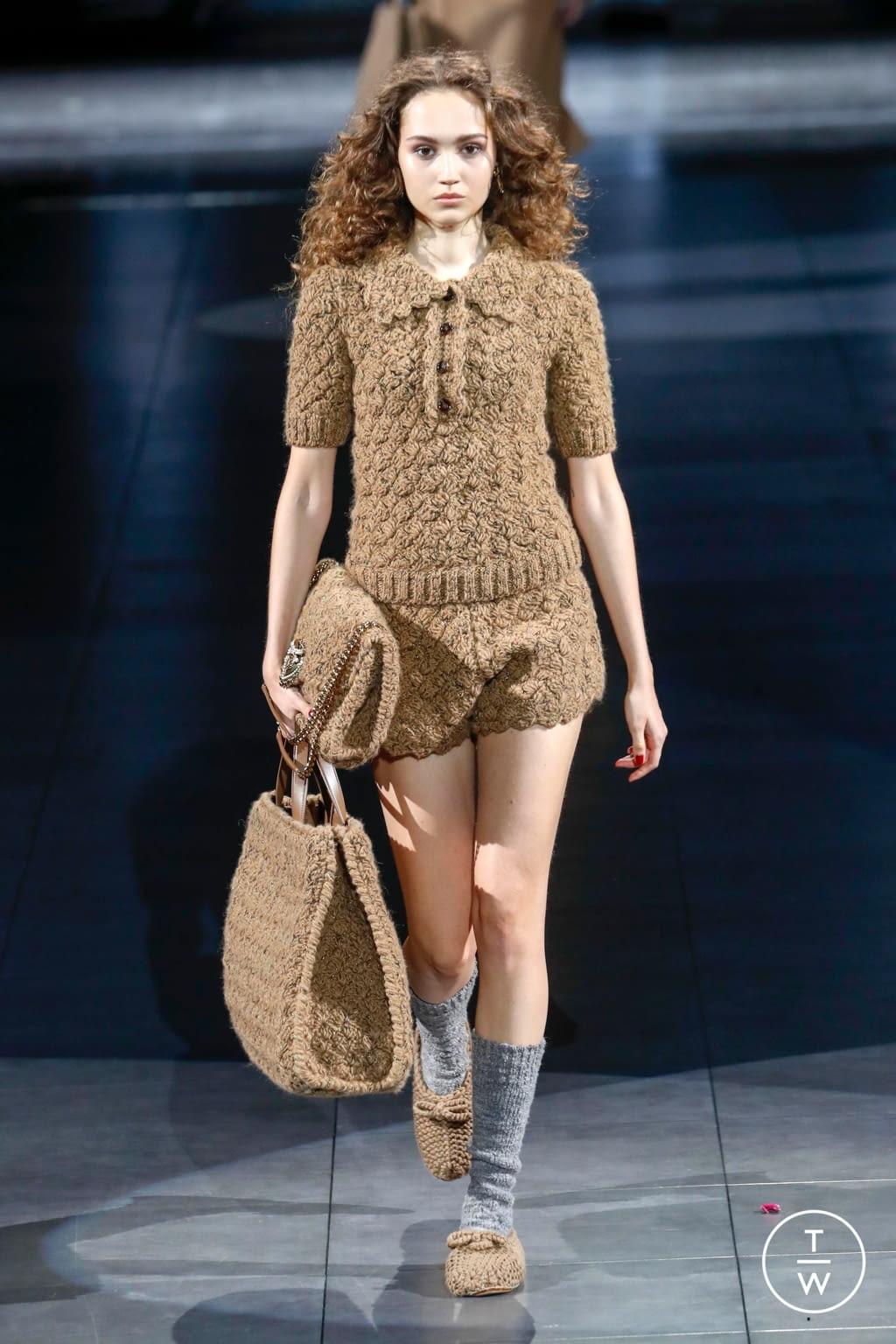 Fashion Week Milan Fall/Winter 2020 look 106 from the Dolce & Gabbana collection womenswear