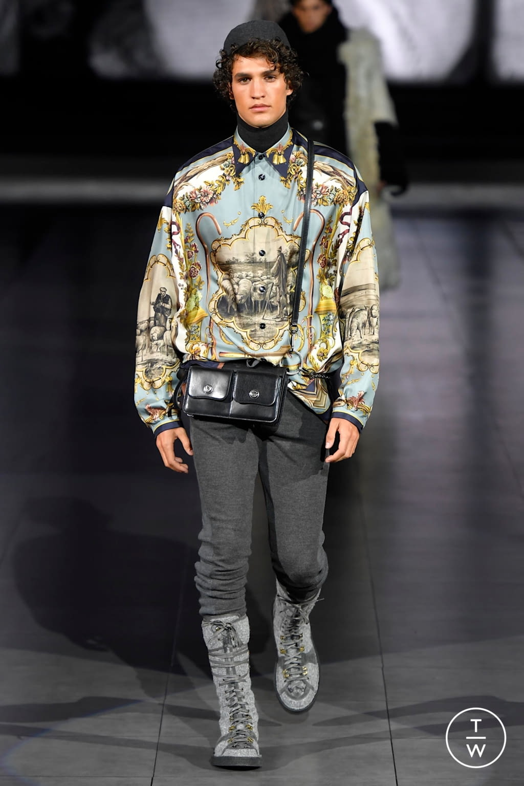 Fashion Week Milan Fall/Winter 2020 look 7 from the Dolce & Gabbana collection menswear