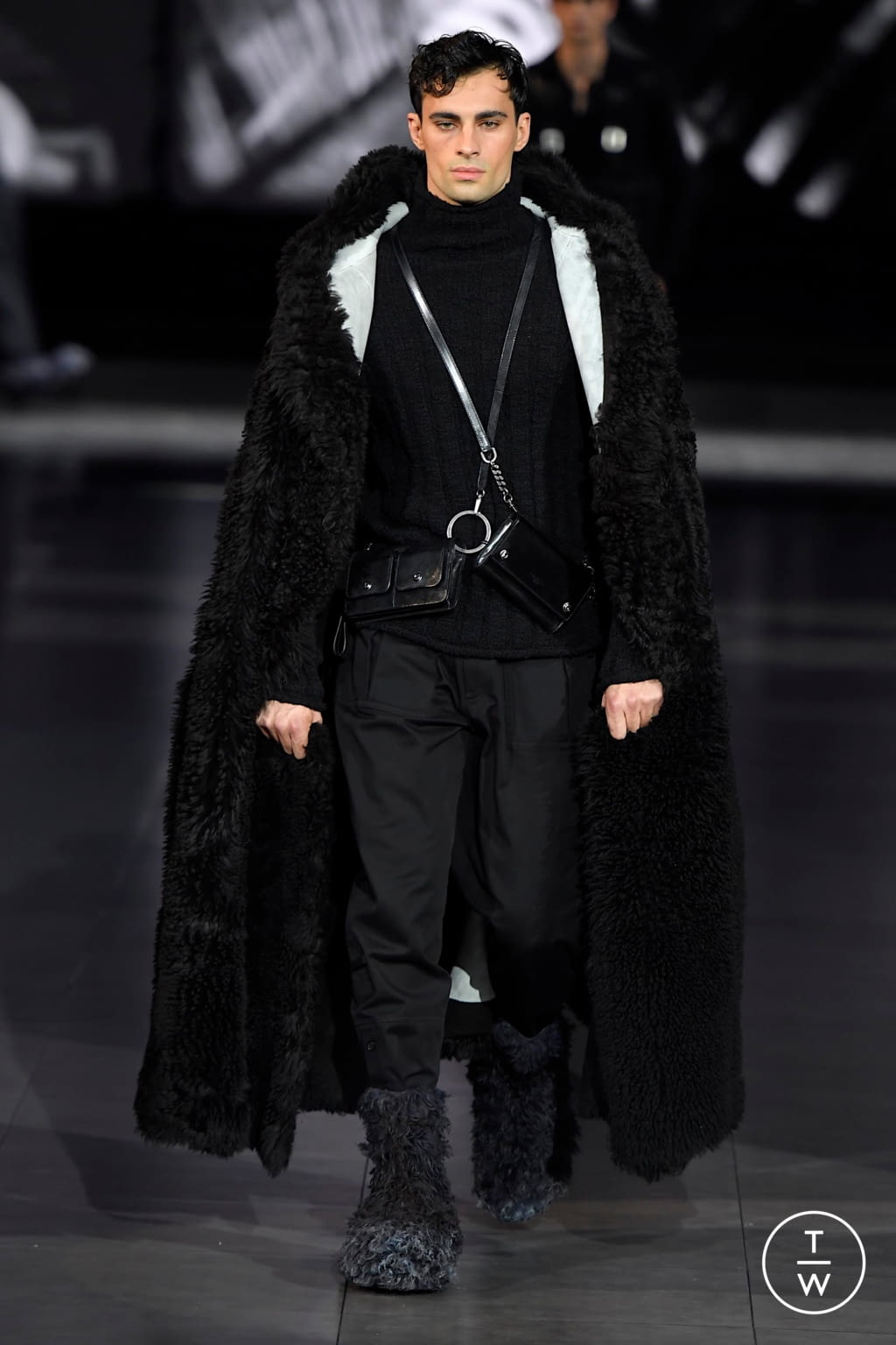Fashion Week Milan Fall/Winter 2020 look 13 from the Dolce & Gabbana collection menswear