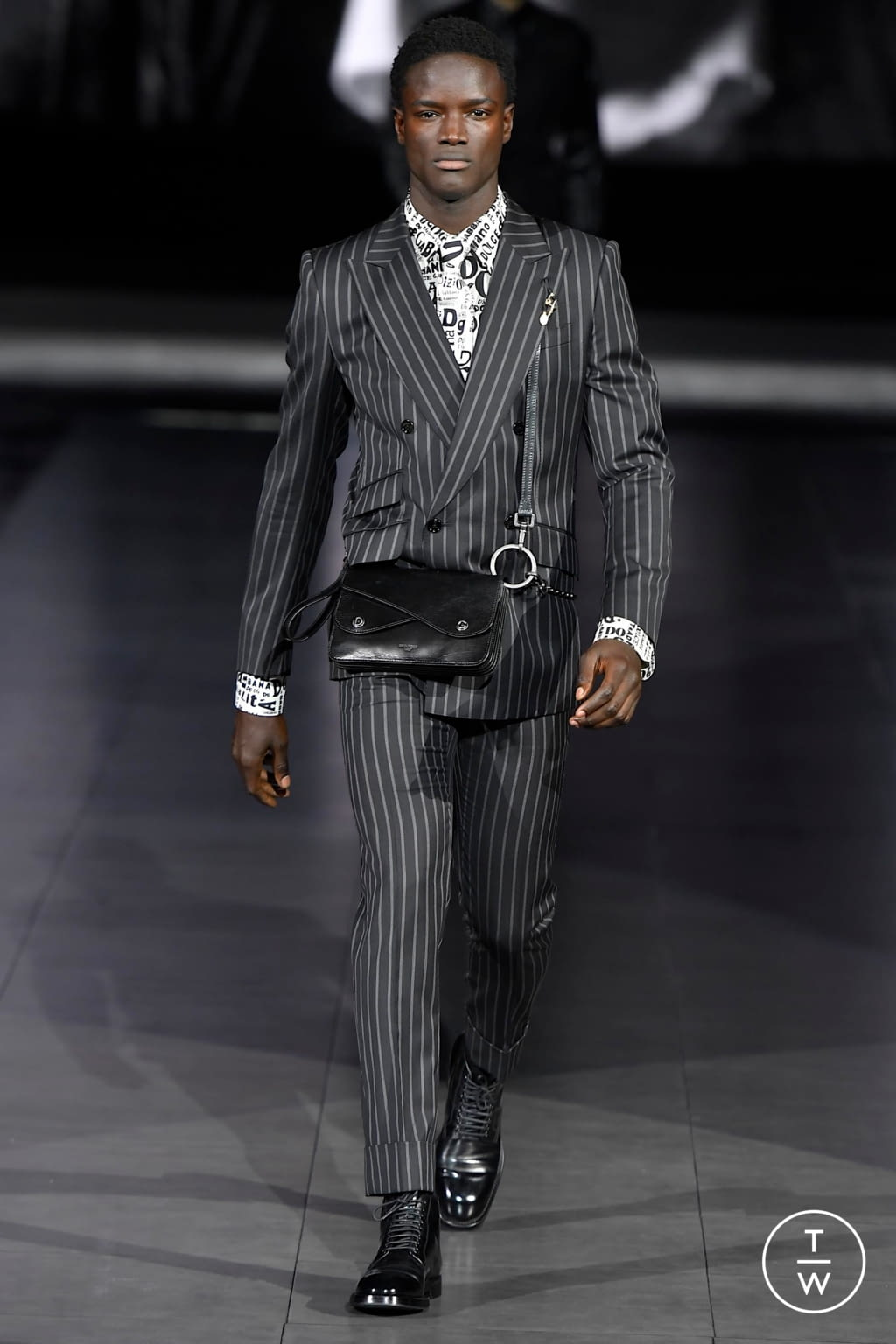 Fashion Week Milan Fall/Winter 2020 look 19 from the Dolce & Gabbana collection menswear