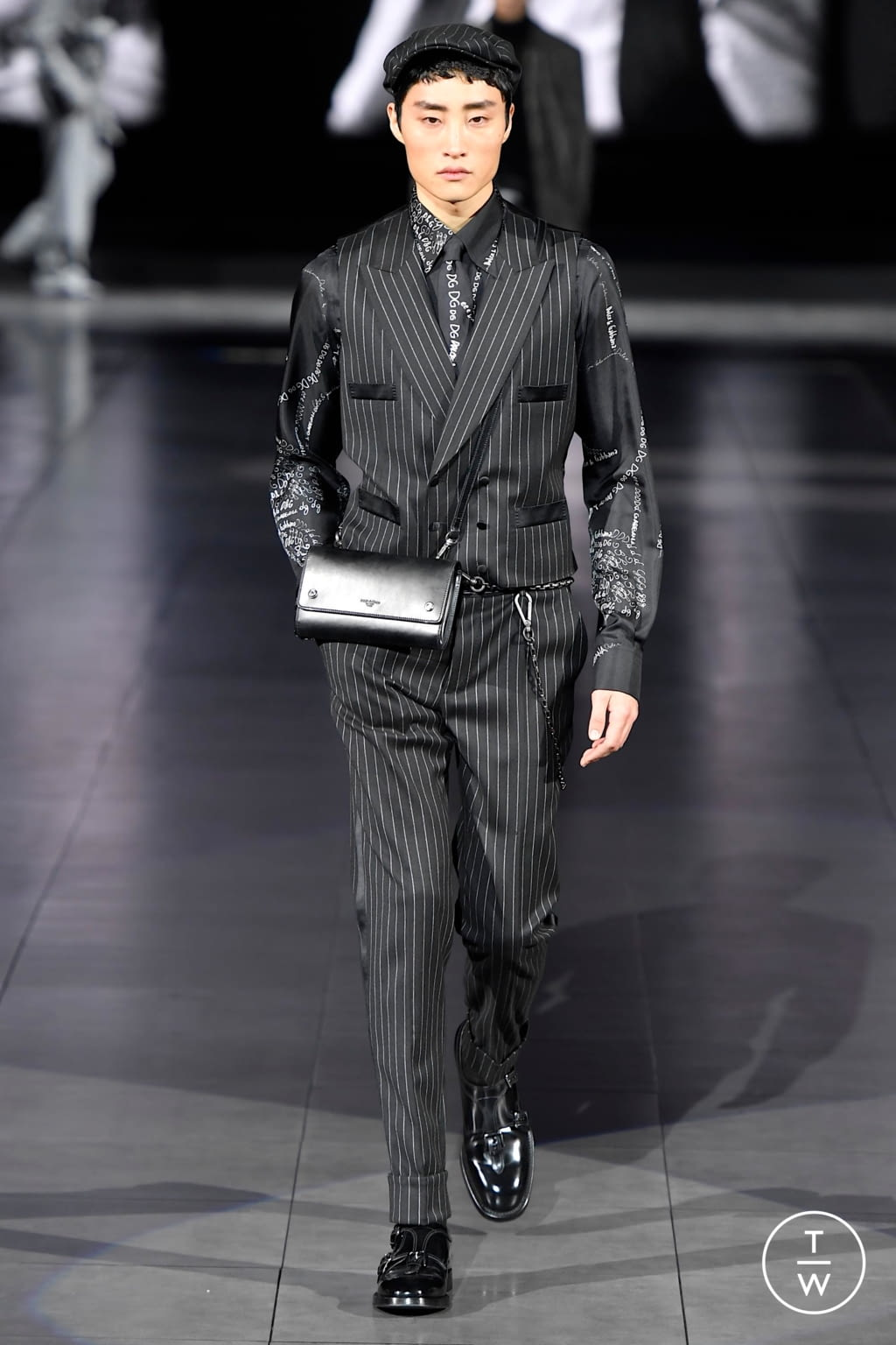 Fashion Week Milan Fall/Winter 2020 look 20 from the Dolce & Gabbana collection menswear