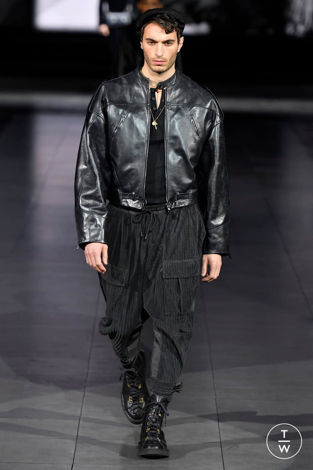 Fashion Week Milan Fall/Winter 2020 look 88 from the Dolce & Gabbana collection menswear