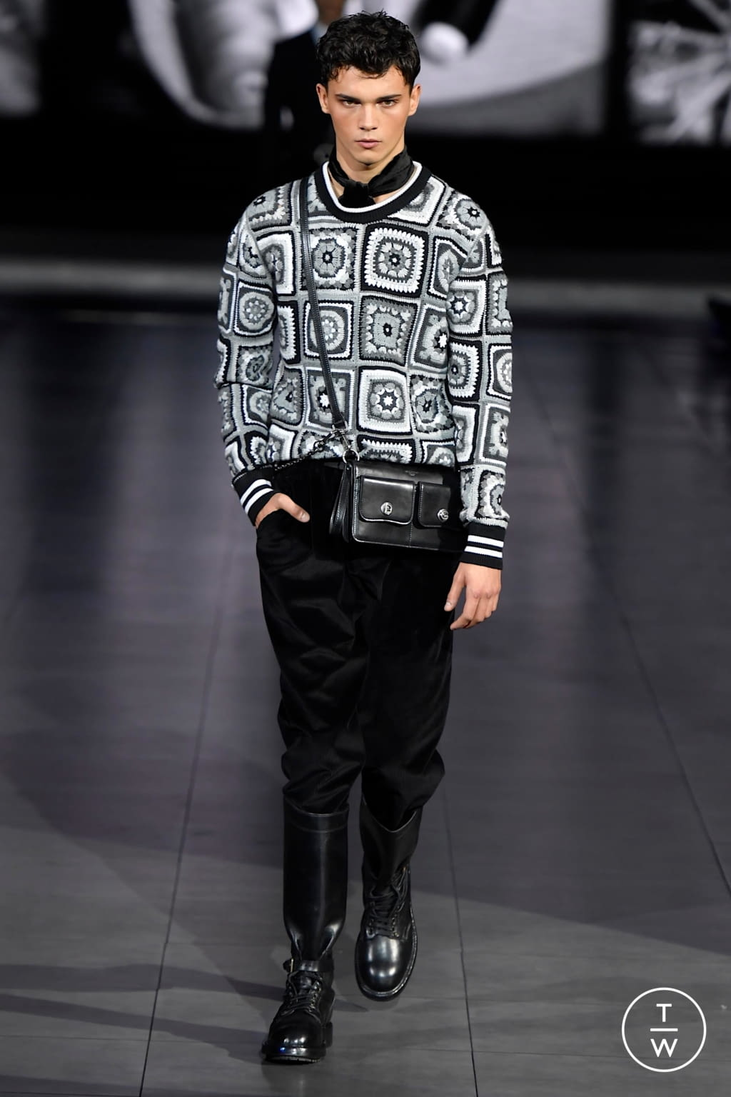 Fashion Week Milan Fall/Winter 2020 look 94 from the Dolce & Gabbana collection menswear