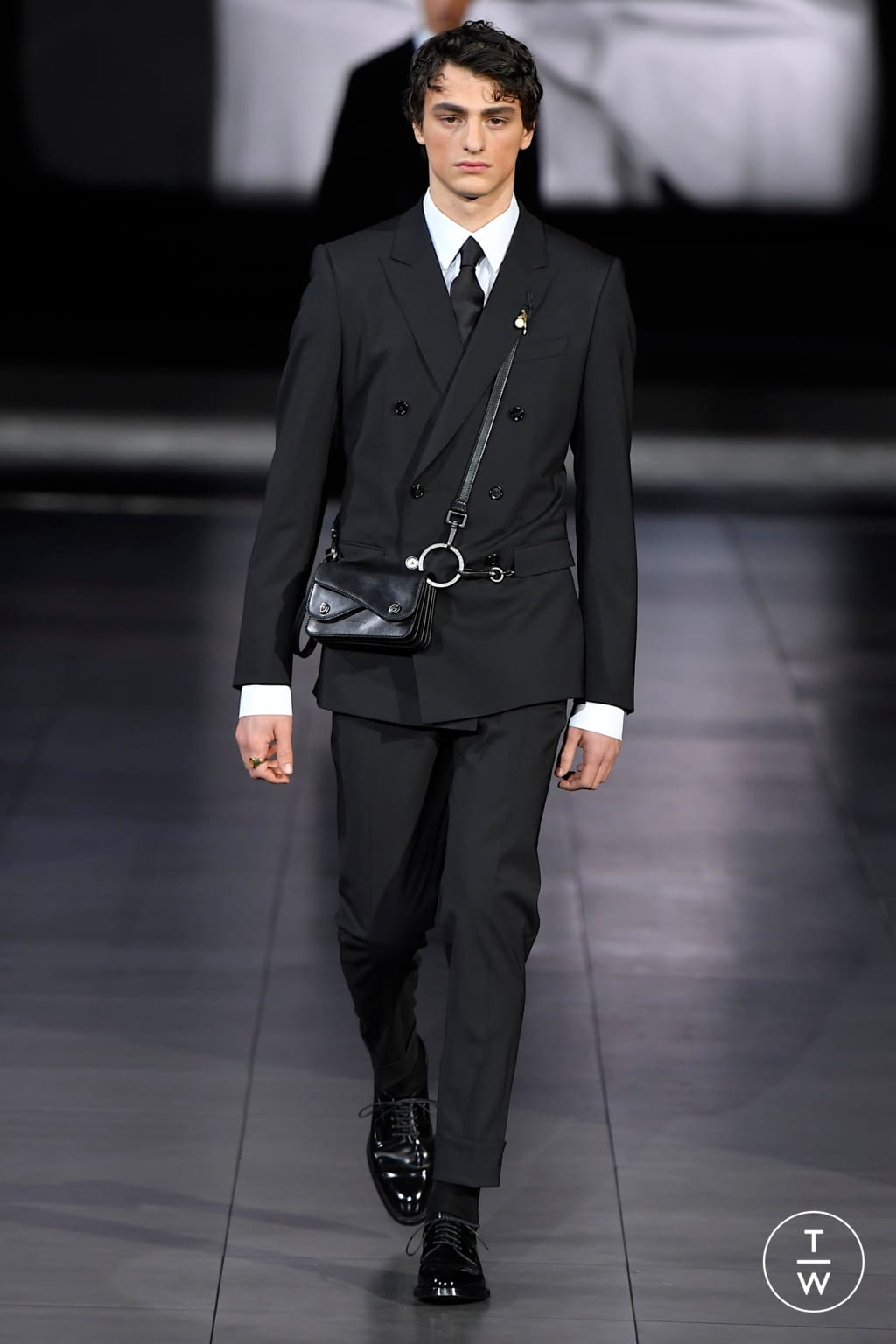 Fashion Week Milan Fall/Winter 2020 look 95 from the Dolce & Gabbana collection menswear