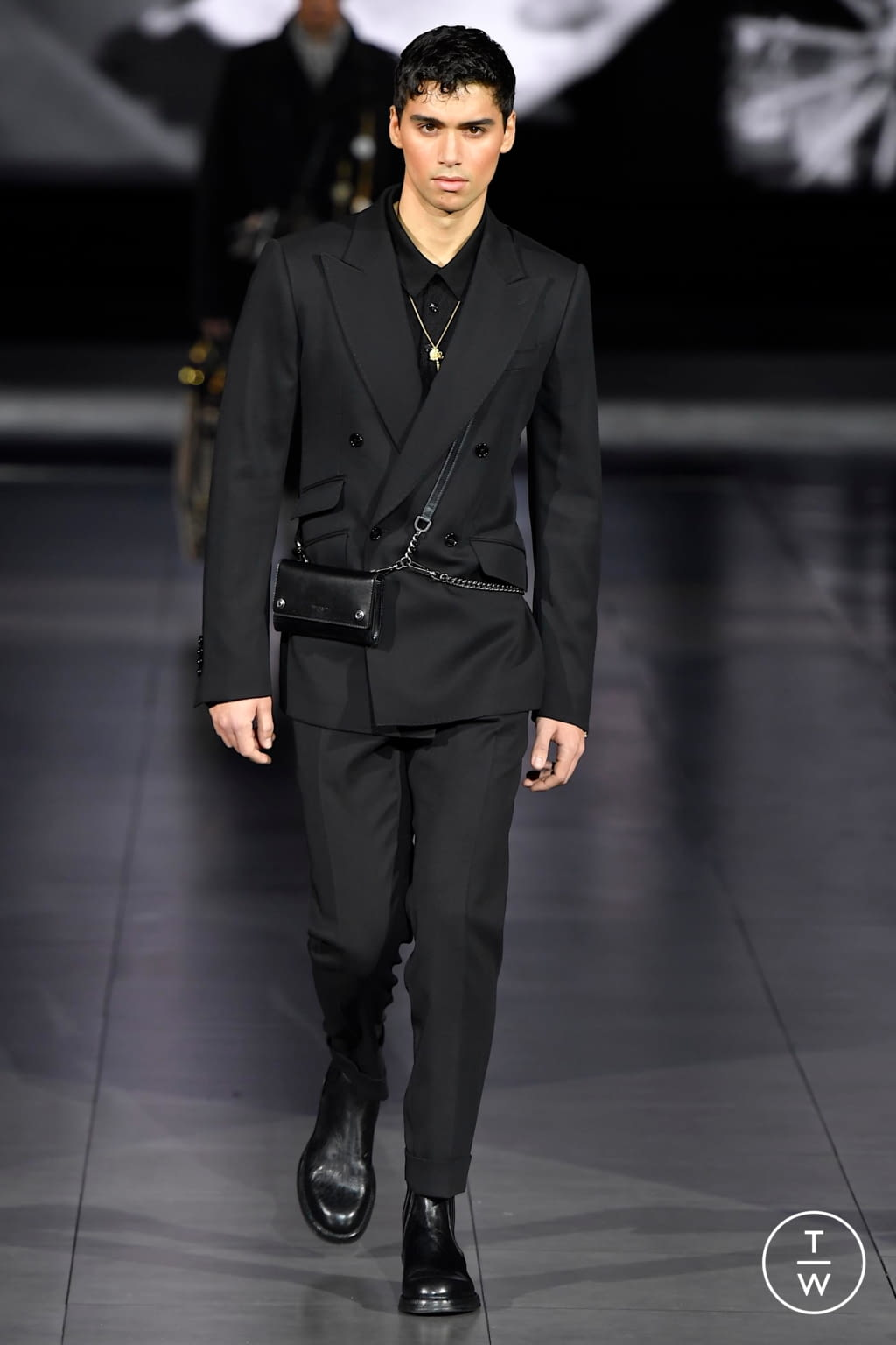 Fashion Week Milan Fall/Winter 2020 look 97 from the Dolce & Gabbana collection menswear