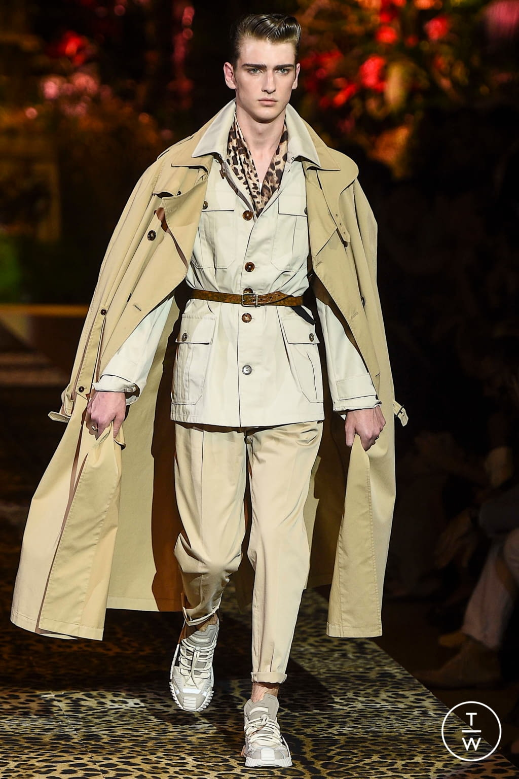 Fashion Week Milan Spring/Summer 2020 look 4 from the Dolce & Gabbana collection menswear