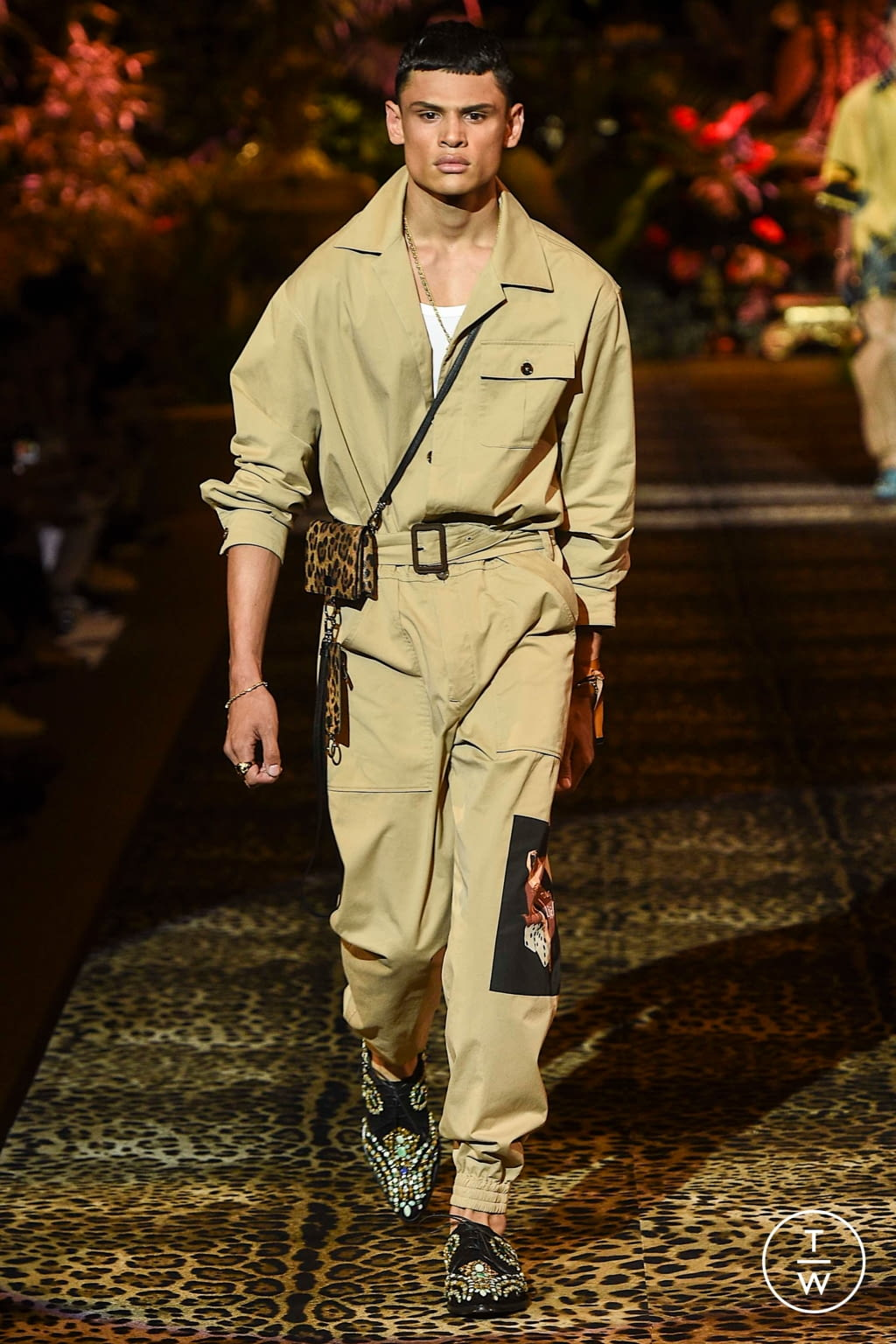 Fashion Week Milan Spring/Summer 2020 look 6 from the Dolce & Gabbana collection menswear