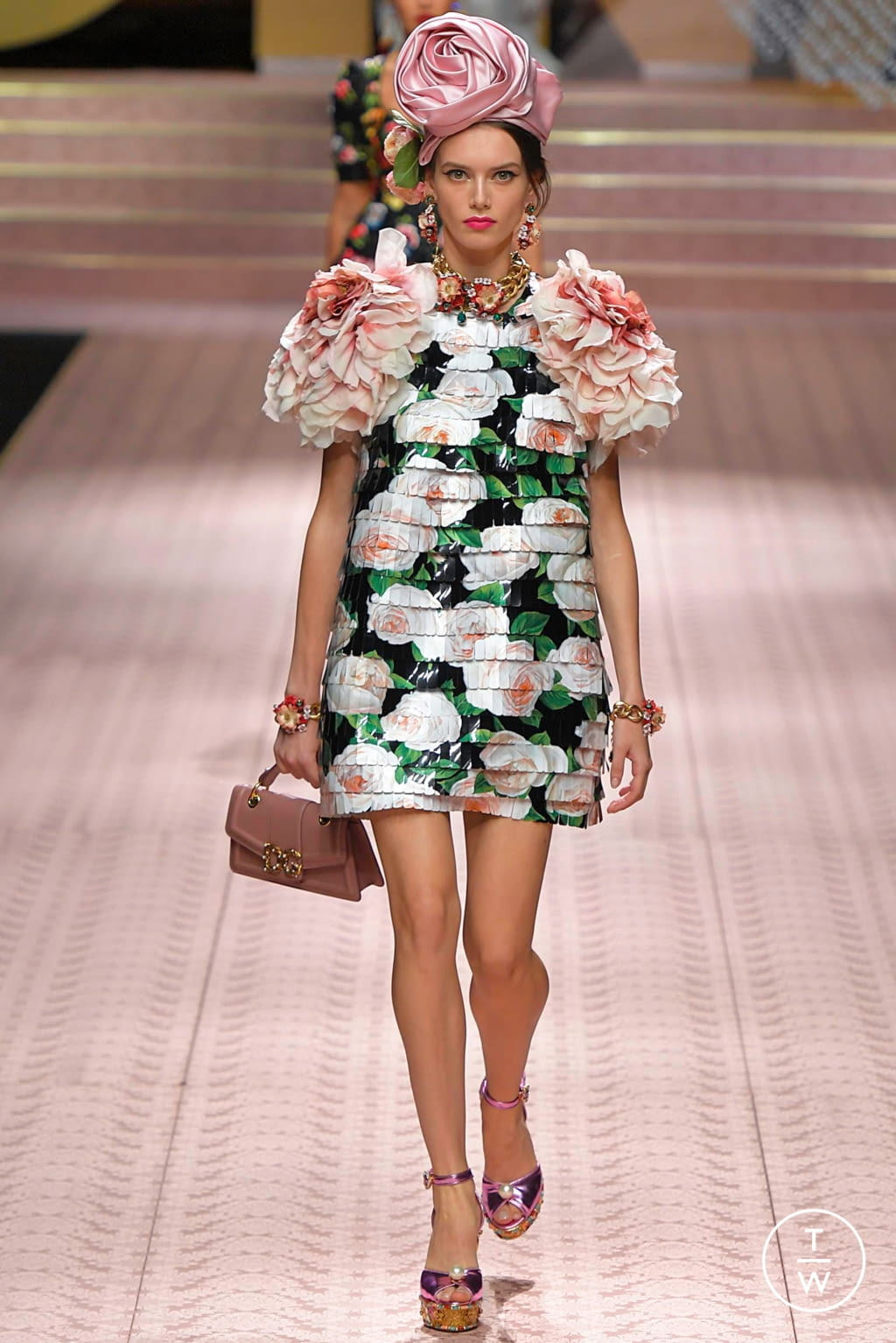 Fashion Week Milan Spring/Summer 2019 look 147 from the Dolce & Gabbana collection womenswear