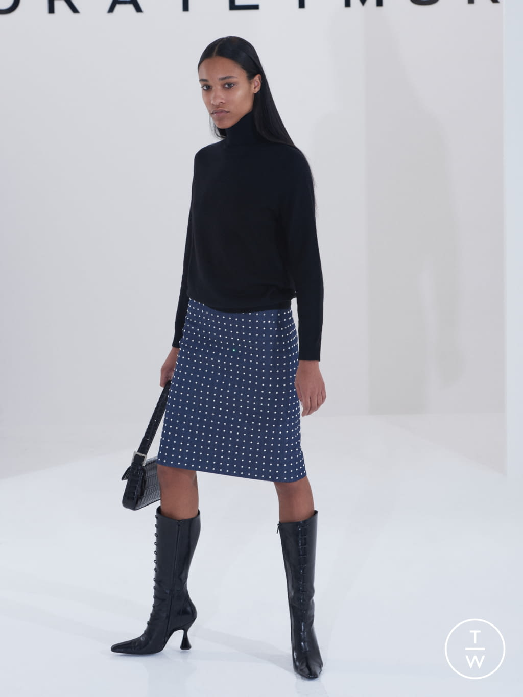 Fashion Week London Fall/Winter 2019 look 23 from the Dorateymur collection womenswear accessories