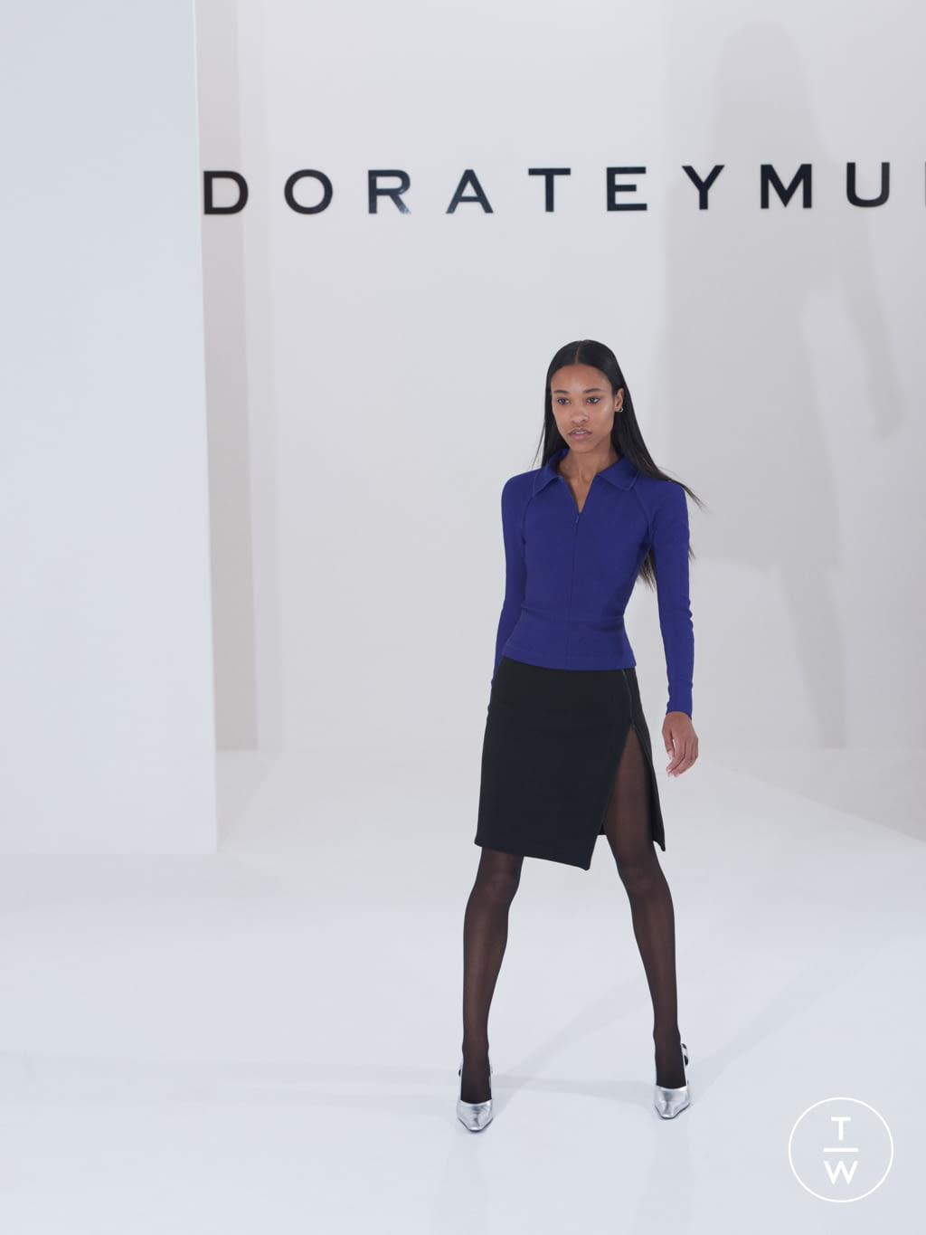 Fashion Week London Fall/Winter 2019 look 3 from the Dorateymur collection 女装配饰