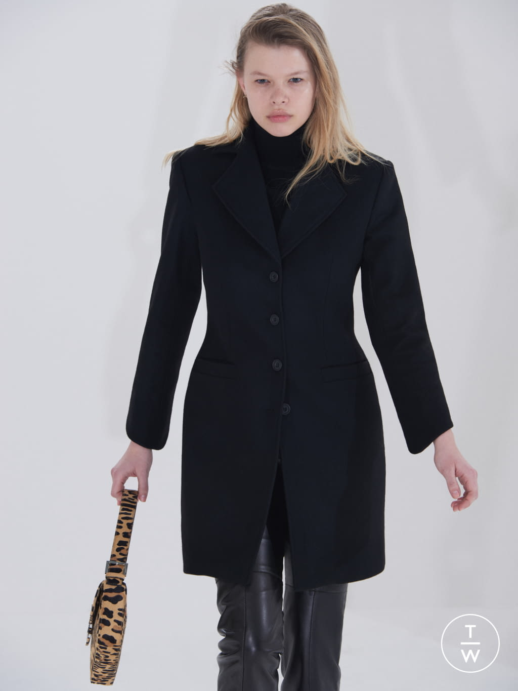 Fashion Week London Fall/Winter 2019 look 8 from the Dorateymur collection womenswear accessories