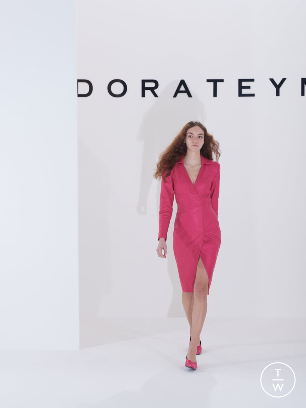 Fashion Week London Fall/Winter 2019 look 14 from the Dorateymur collection 女装配饰