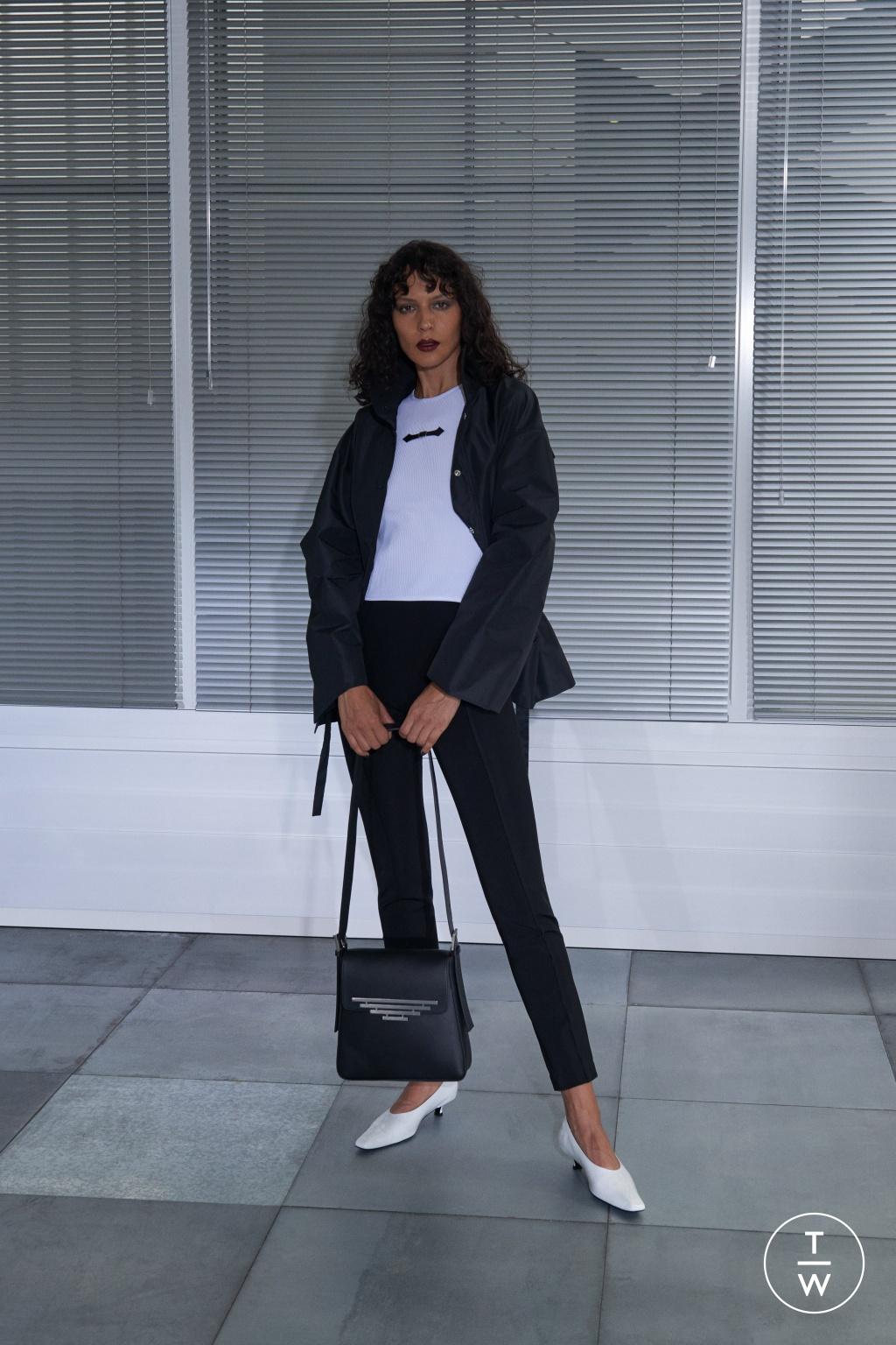 Fashion Week London Spring/Summer 2019 look 3 de la collection Dorateymur womenswear accessories