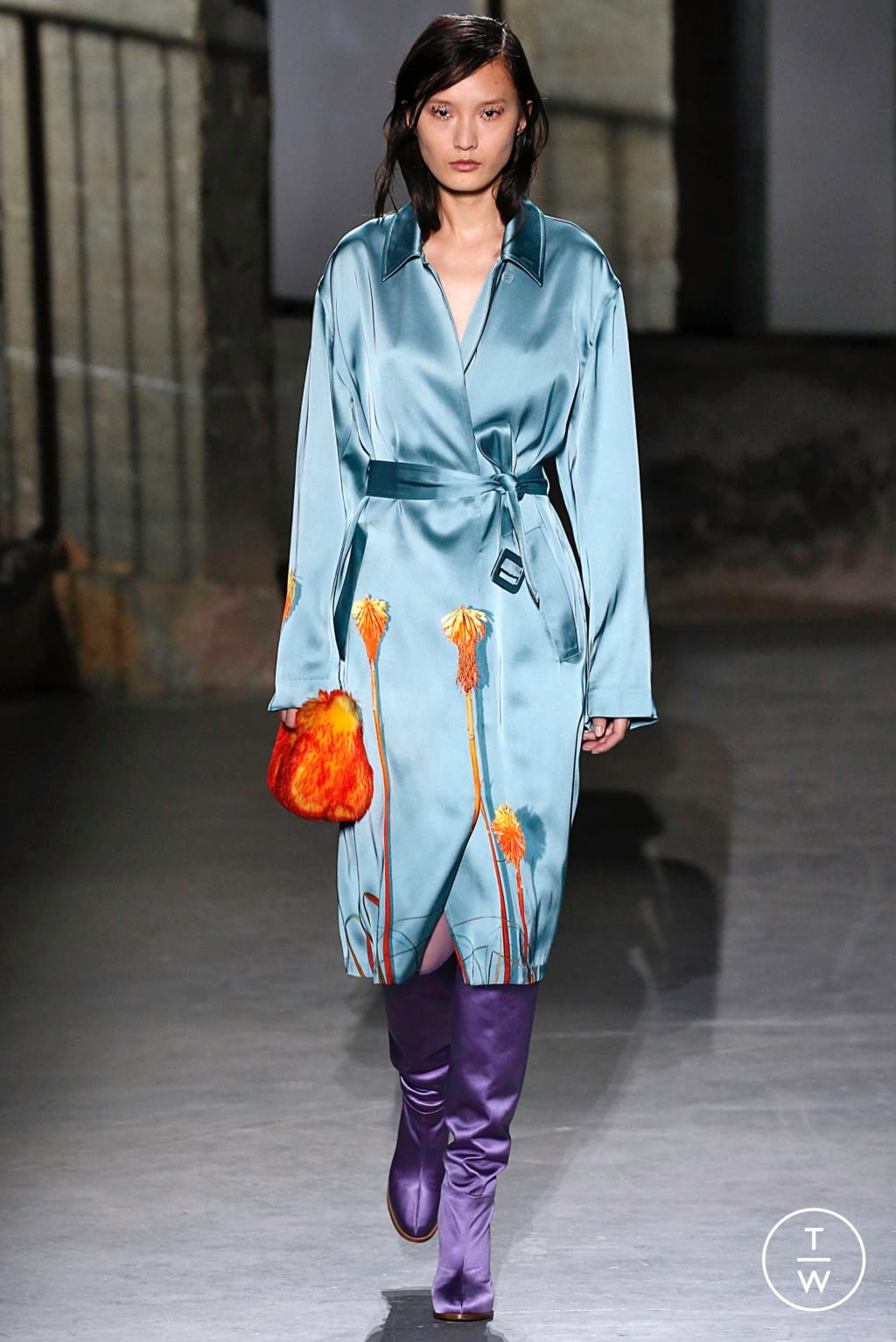 Fashion Week Paris Fall/Winter 2019 look 18 from the Dries Van Noten collection womenswear