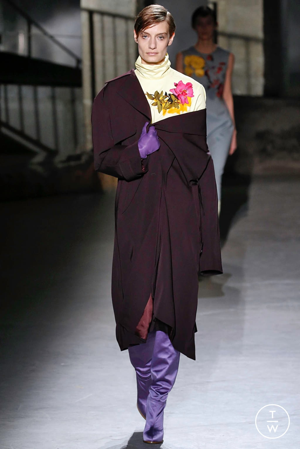 Fashion Week Paris Fall/Winter 2019 look 24 from the Dries Van Noten collection womenswear