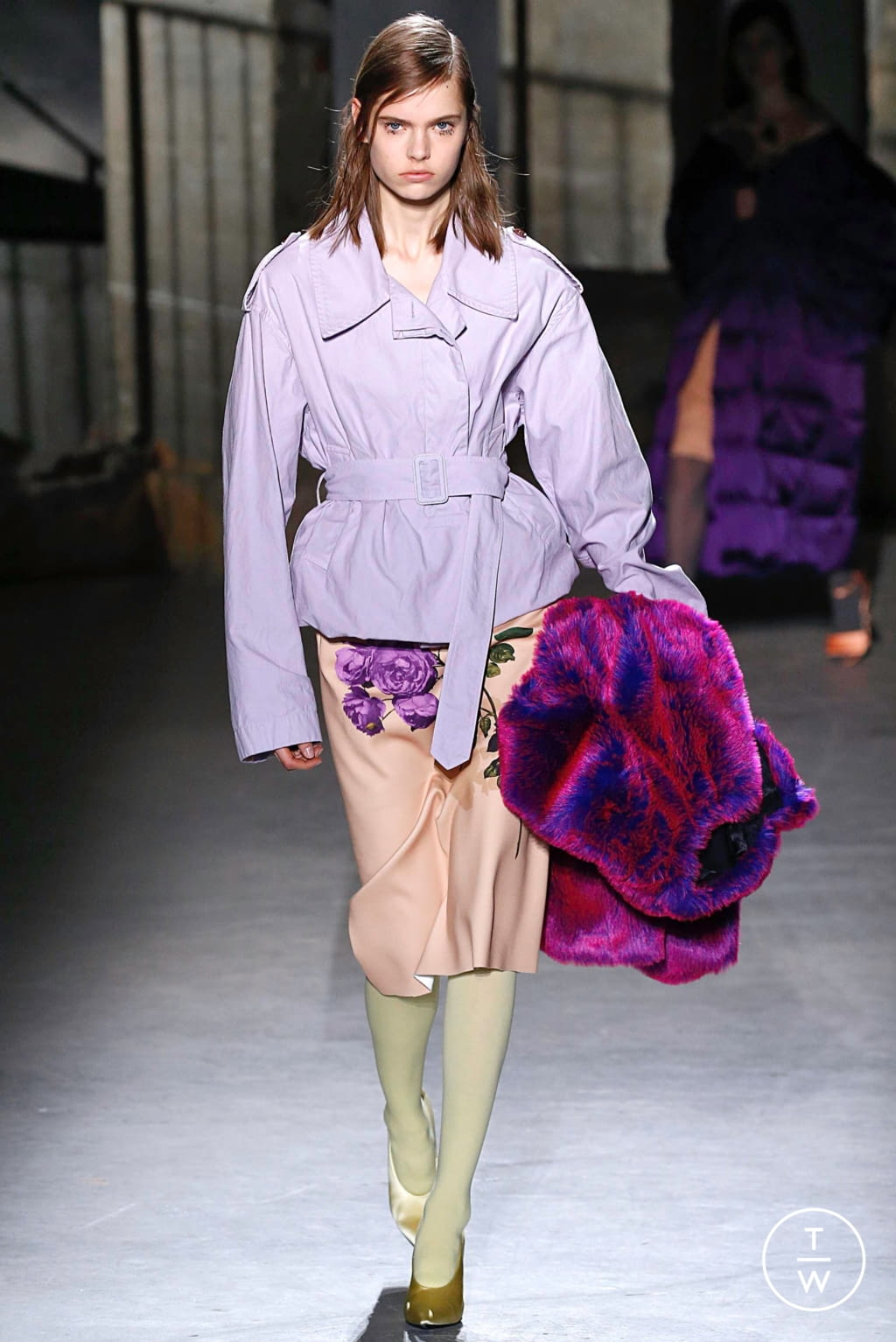 Fashion Week Paris Fall/Winter 2019 look 26 from the Dries Van Noten collection 女装