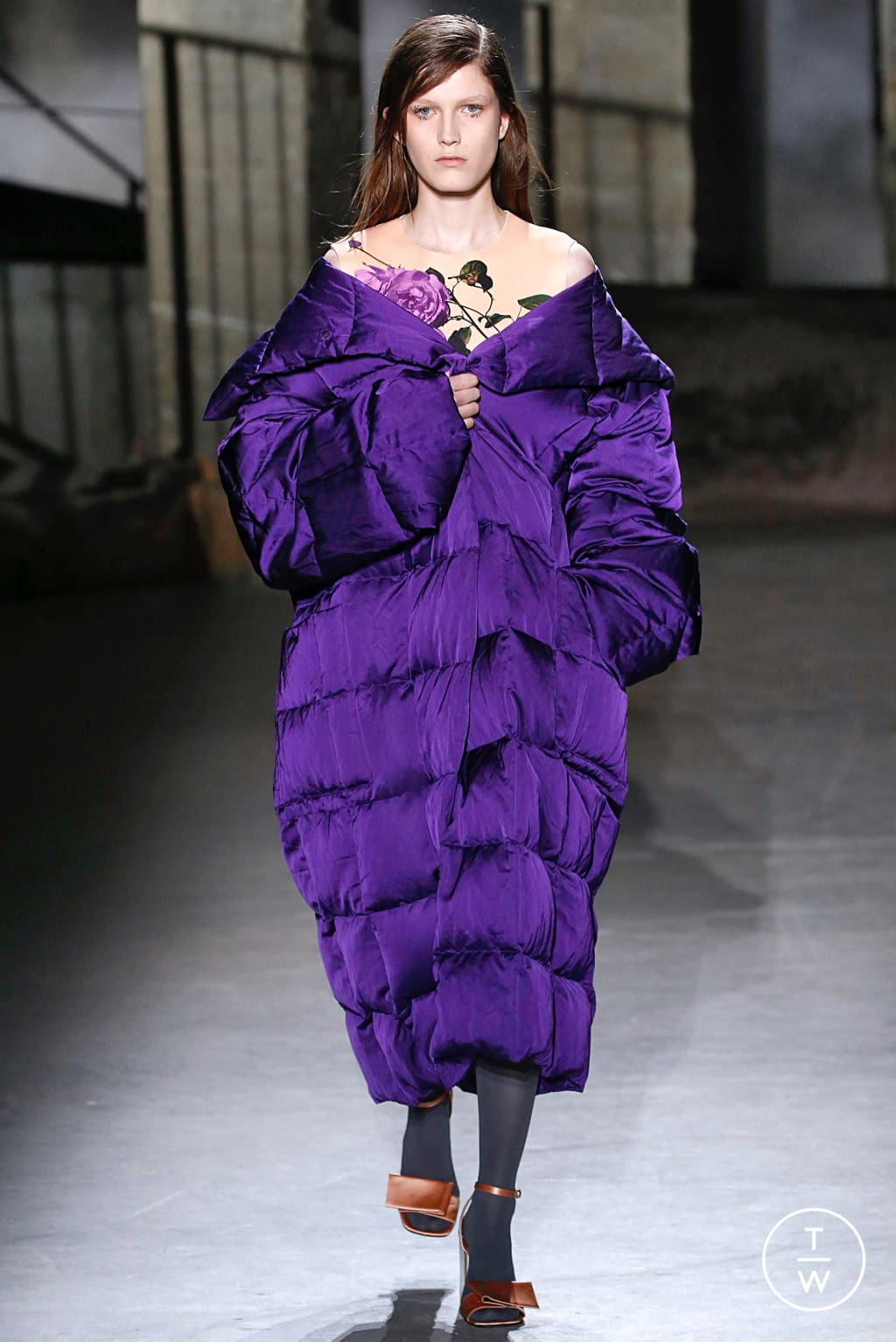 Fashion Week Paris Fall/Winter 2019 look 27 from the Dries Van Noten collection womenswear